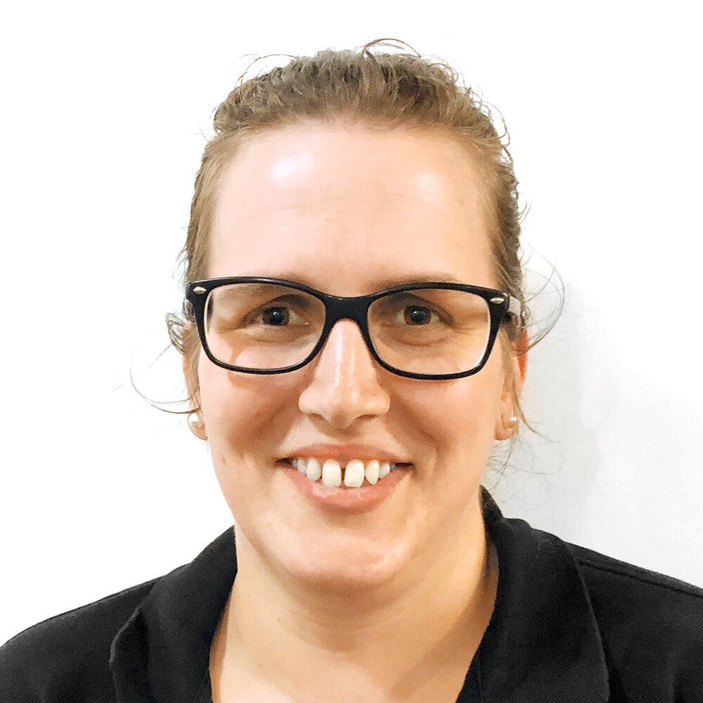 Irene Senn - med. Masseurin eidg. FAKlassische MassageManuelle LymphdrainageBindegewebsmassageFussreflexzonentherapieDorn-Breuss-TherapieSchwingkissentherapie