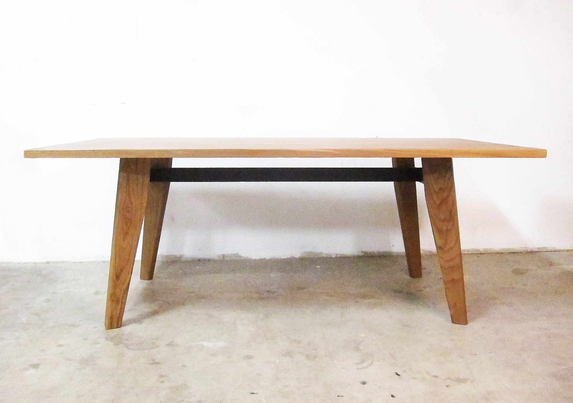ELO TABLE SMALL.jpg