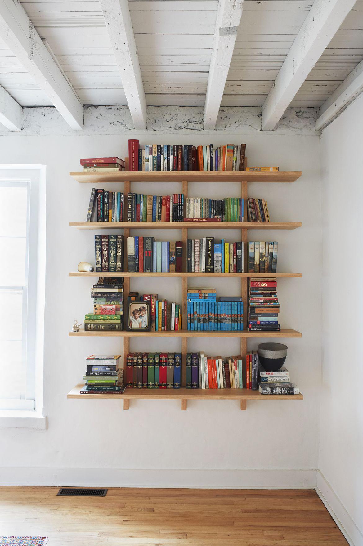 House_Calls_Staatsburg_Mottalini_bookshelf_desk.0.jpg