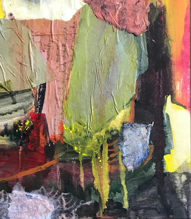 If only this awesome corner wasn't attached to another 3/4 of bad painting. 🤷‍♀️ guess I'll keep working! #wip #workinprogress #abstractpainting #mixedmediapainting #collage #newenglandpainters #30cutlerstreet