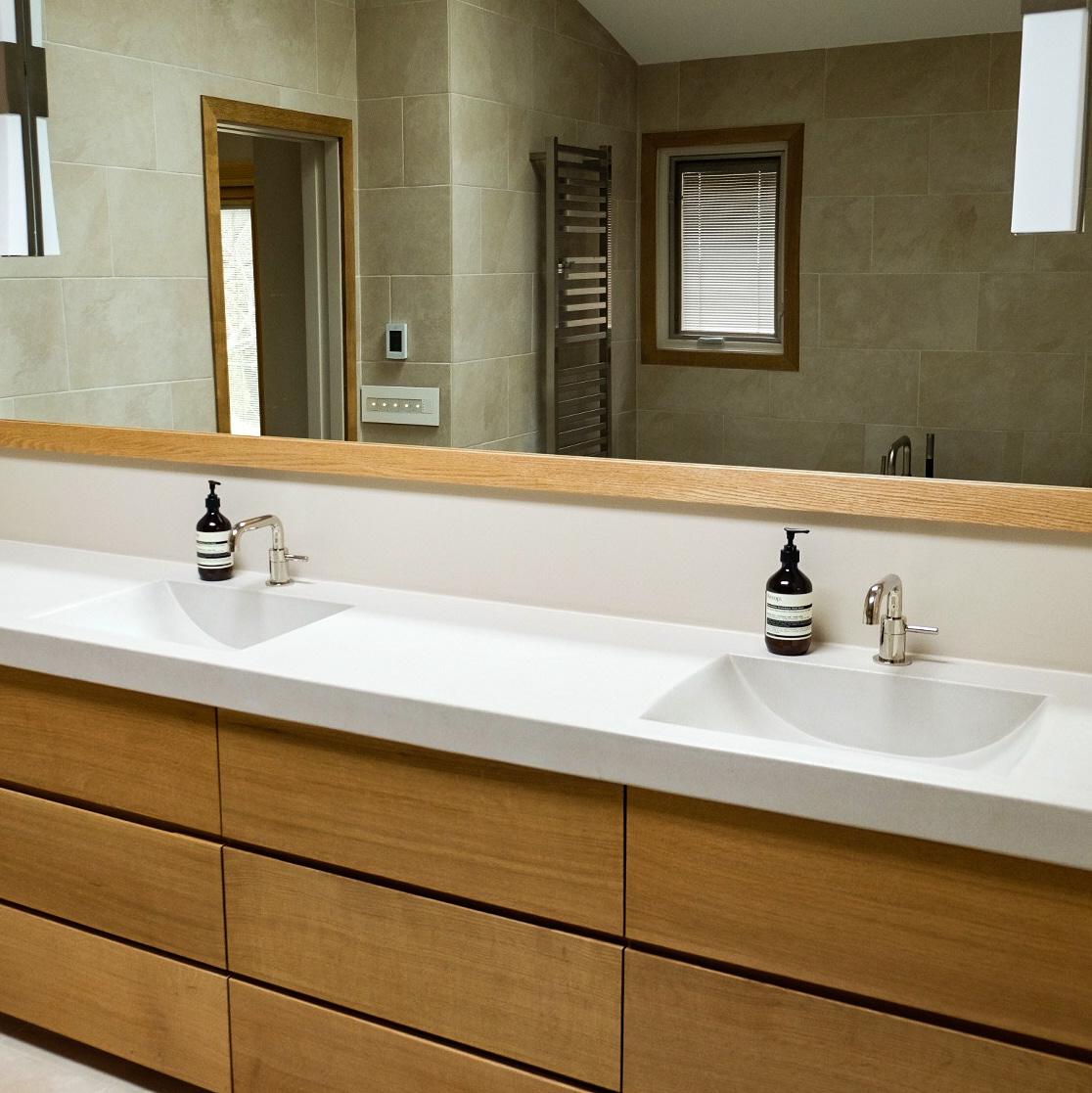 Minimalist Bathroom - Amherst, NY