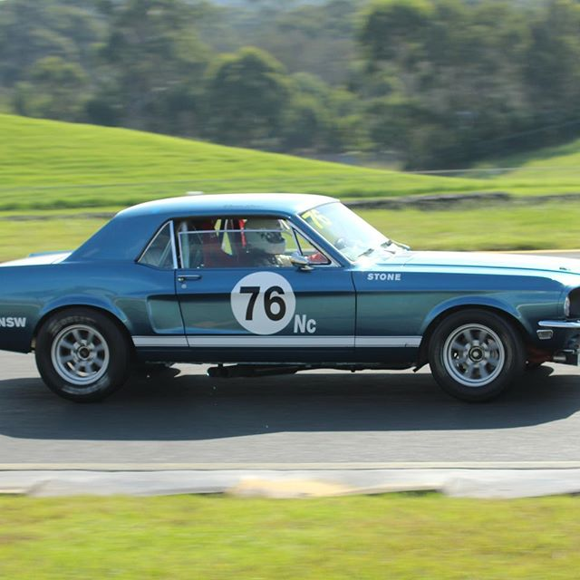 Who doesn't love a great looking Mustang out on the track, with many thanks to Throttle Jam Photography #mustang #cars #ford #mustangfanclub #musclecars #historicsportscarracing #motorsport #classiccars