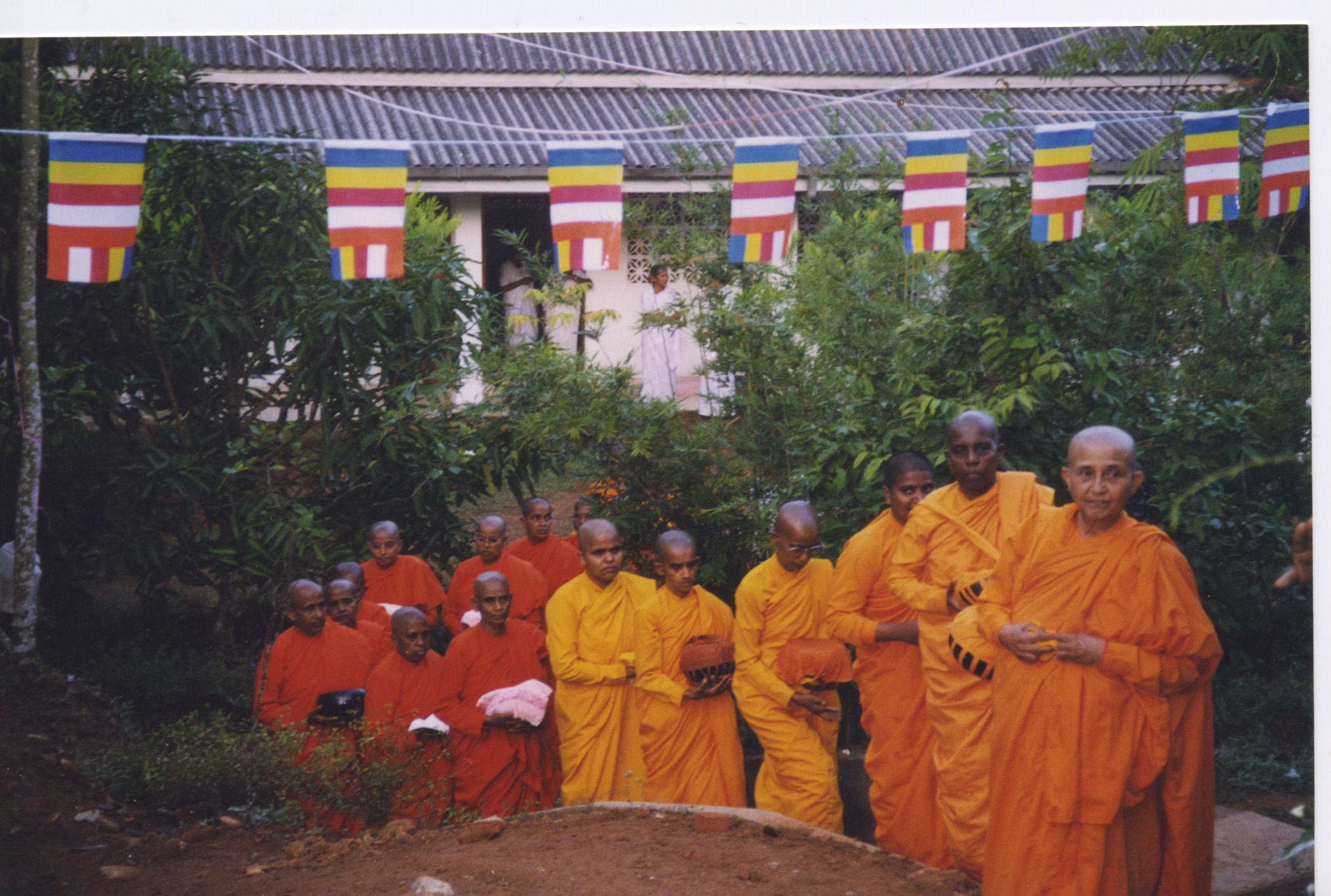 Buddhist nuns and monks, Sri Lanka