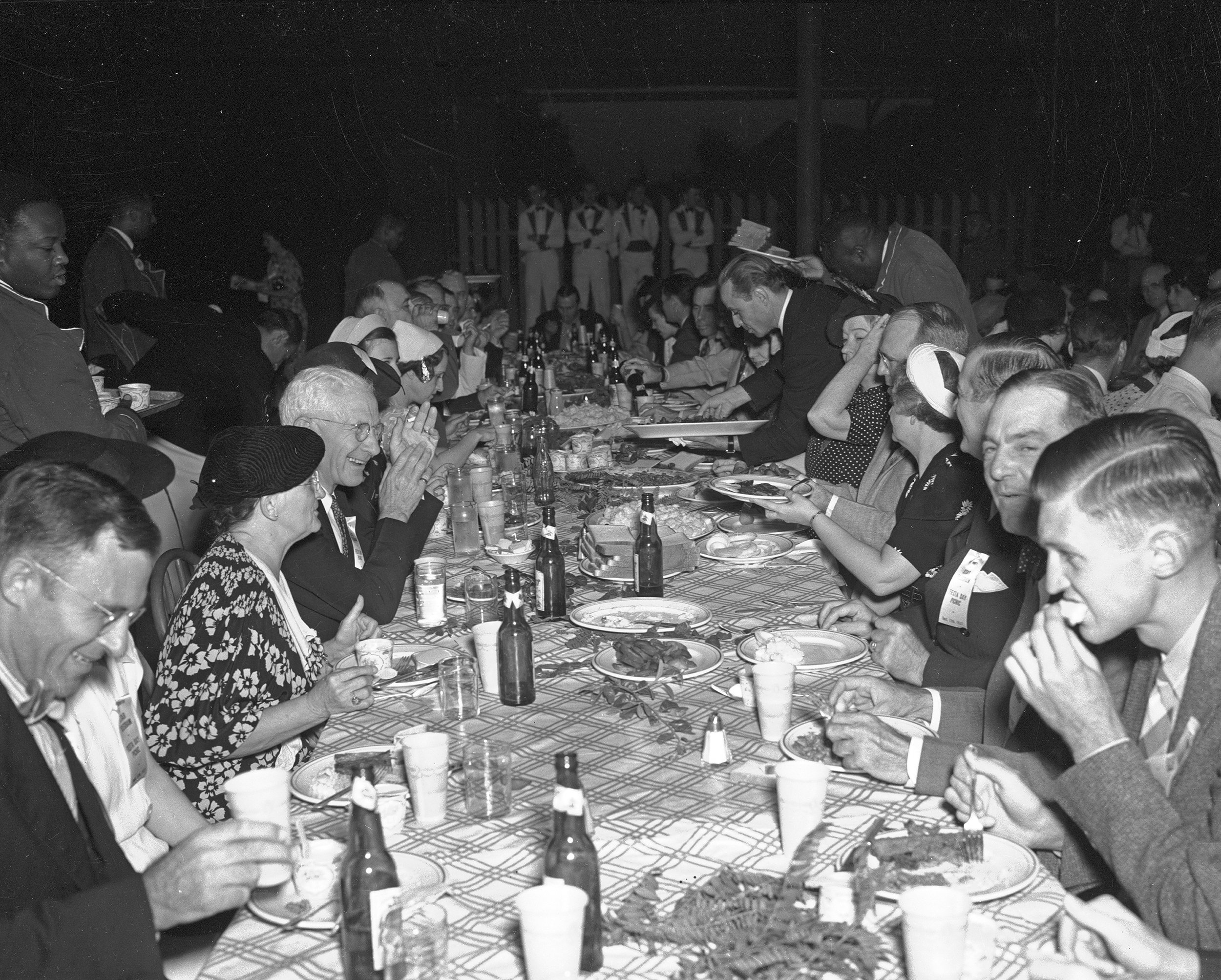 Table at 1937 S-T picnic 10005754.jpg