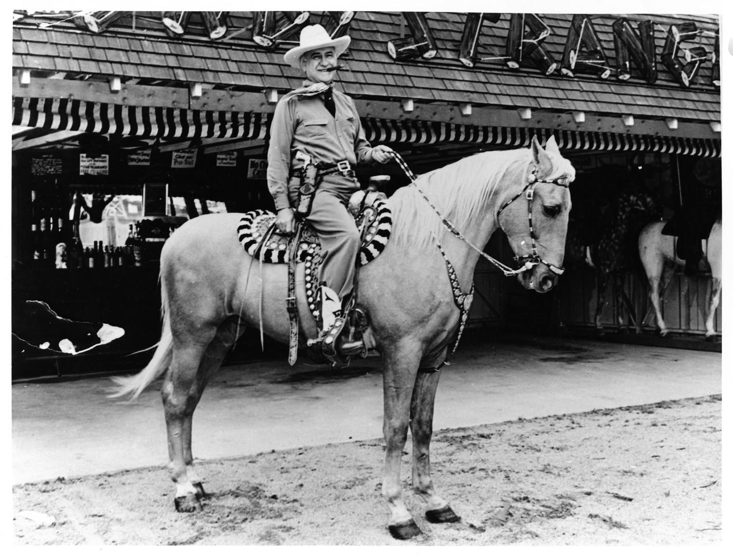 amon on his horse 10000075.jpg