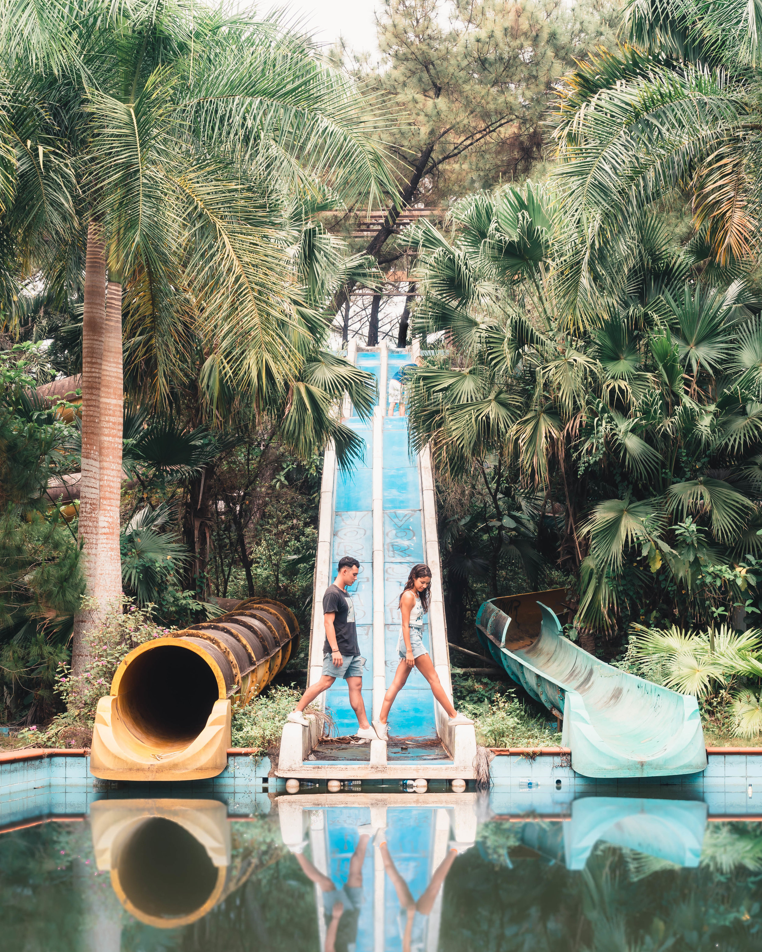hue_waterpark_slides_3.jpg