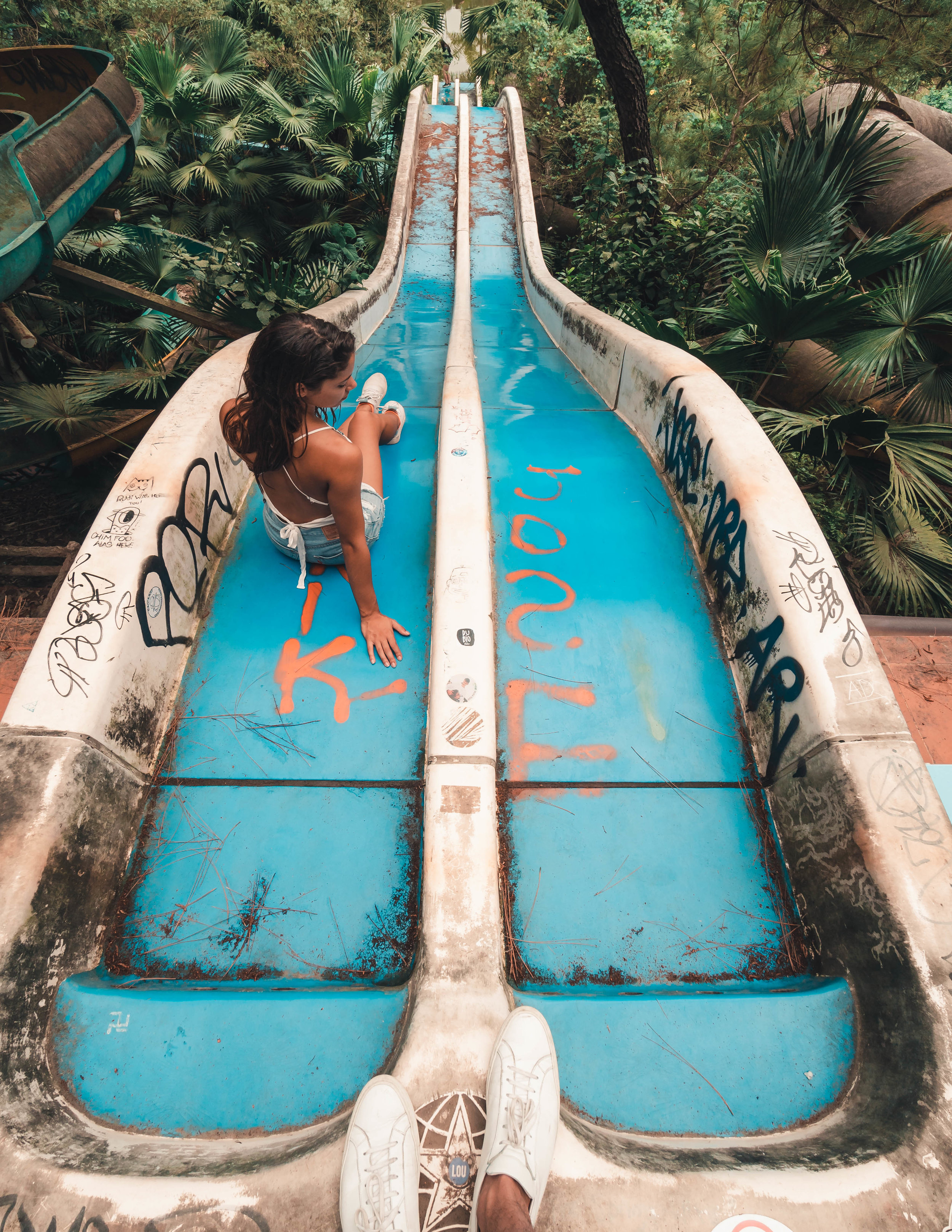 hue_waterpark_slide_2.jpg