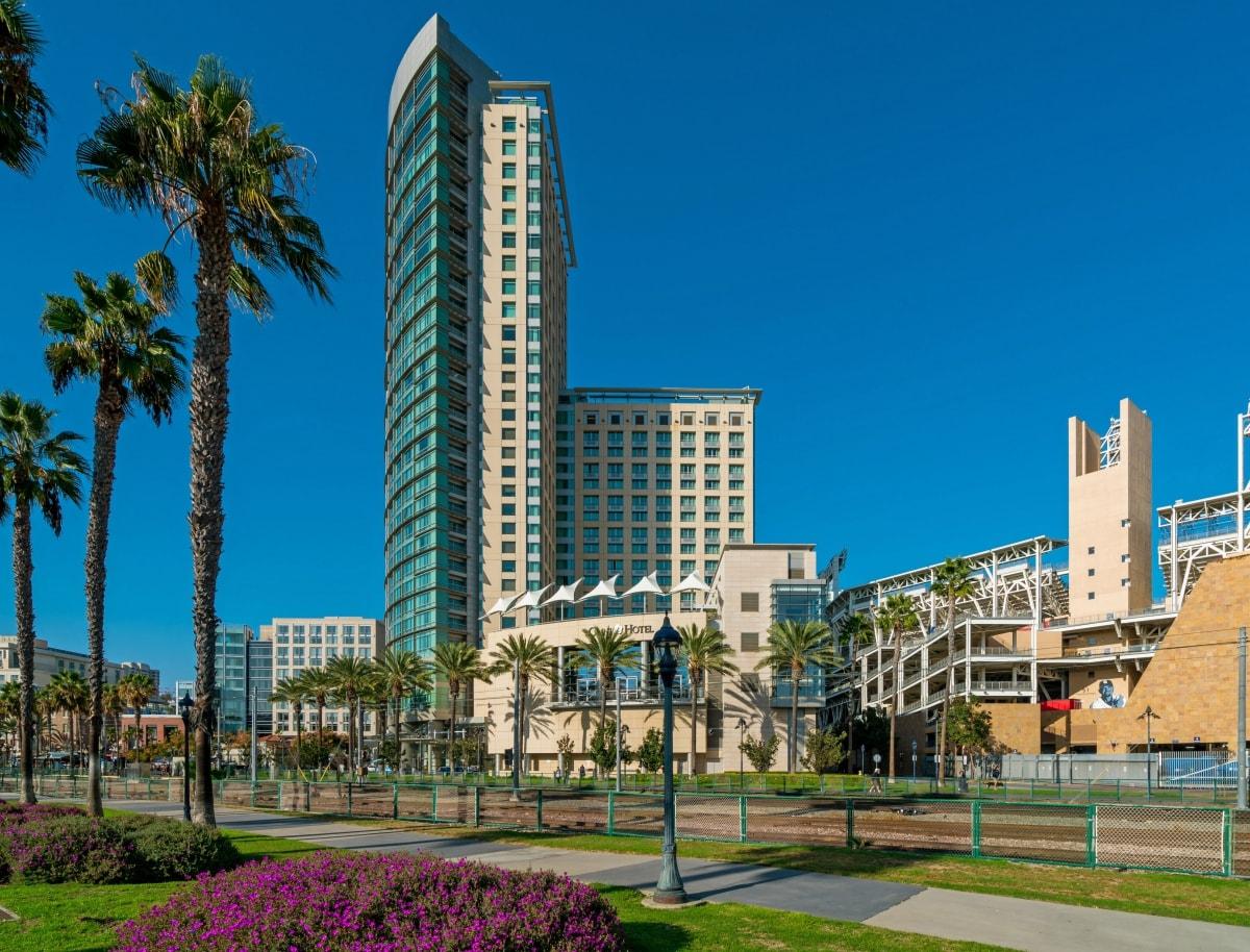 Metropolitan_Downtown-San-Diego-Condos_East Village_2018_Exterior.jpg