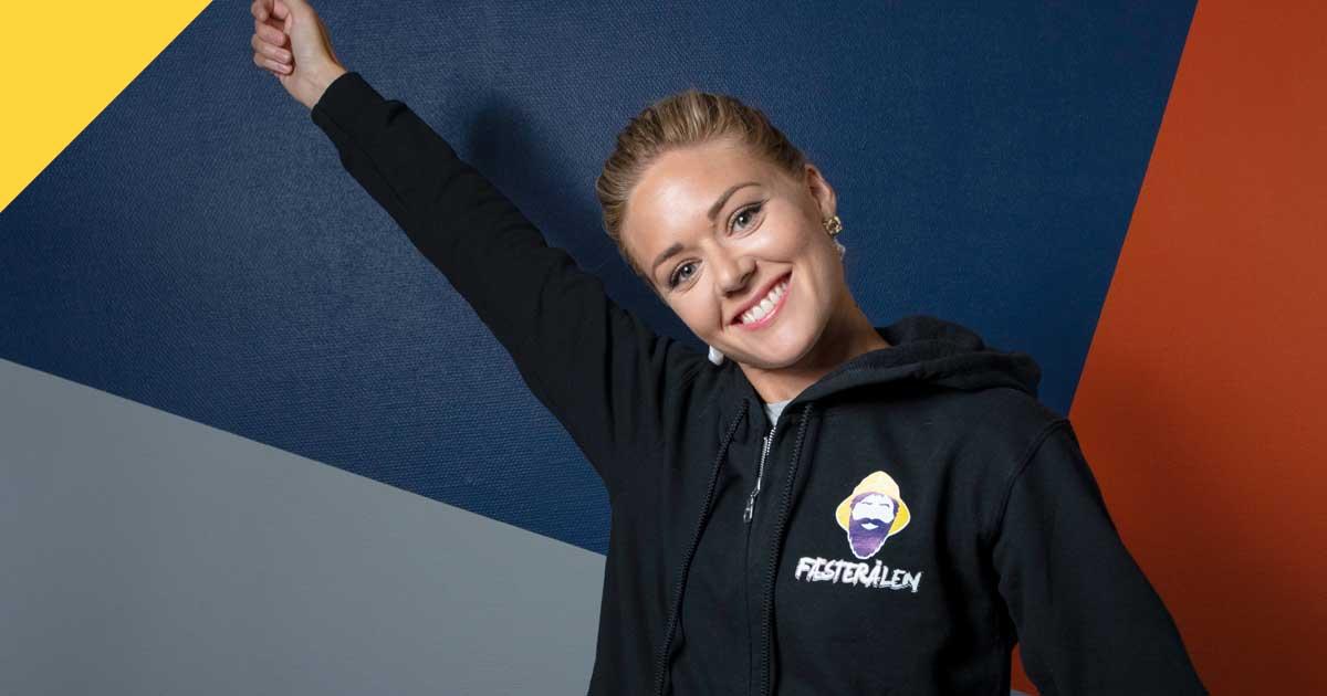 Frivilligsjef Henriette Endresen gleder seg til å ta imot tusenvis av Fæsterålinger, og trenger flere frivillige på lørdag.