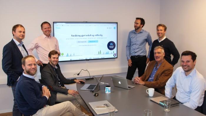 Fra venstre med klokken: Martin Johnsrud Sundby (investor og skiløper), Magne Uppman (grunnlegger av iProspect og partner i SNÖ Ventures), Rune Brunborg (grunnlegger og arbeidende styreleder i Tribe), Henrik Nygård Sjølie (grunnlegger og daglig leder), Lars Vinden (styremedlem i Finn og personvernombud i Telia Norge), Oddgeir Garnes (nestleder i Google Norge), Christian Thommessen (investor) og Tore Malme (styreleder i Forvaltningshuset).   FOTO:  MARIUS LORENTZEN  E24