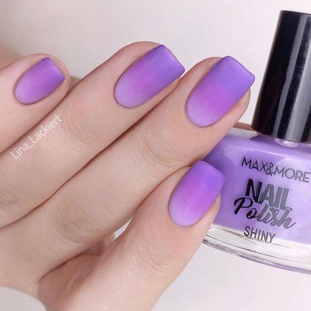 Double tap if you love ombre nails as much as we do!! 💜 @lina_lackiert used all three shades from the #MaxandMore Nail Polish set 'Purple Revolution' (€1.29) ⠀⠀⠀⠀⠀⠀⠀⠀⠀ #actiondeutschland #nailpolish #notd #nailsofinstagram