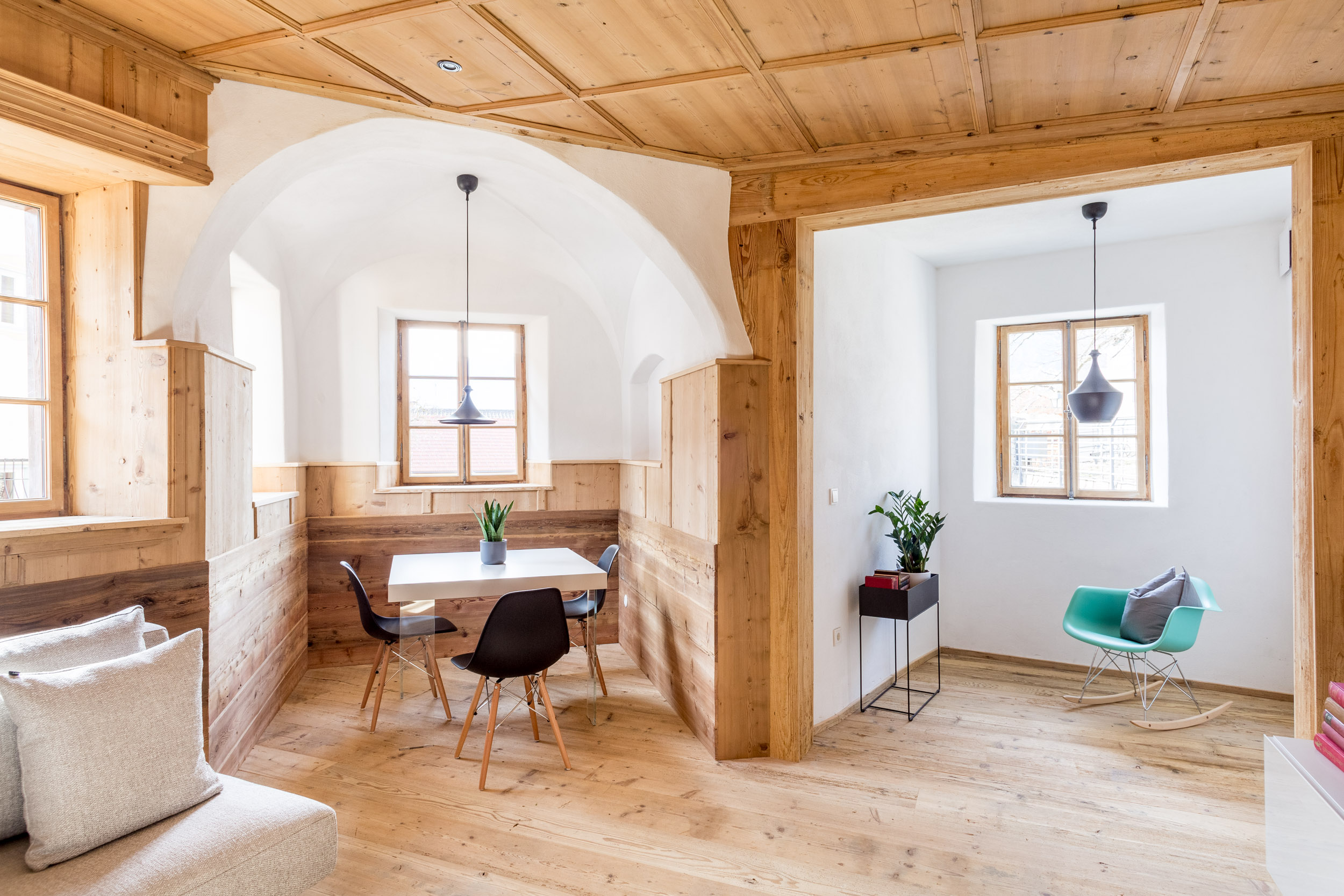 Apartment 1 - Charming design apartment with a picturesque living room and antique wood-panelled interiors.