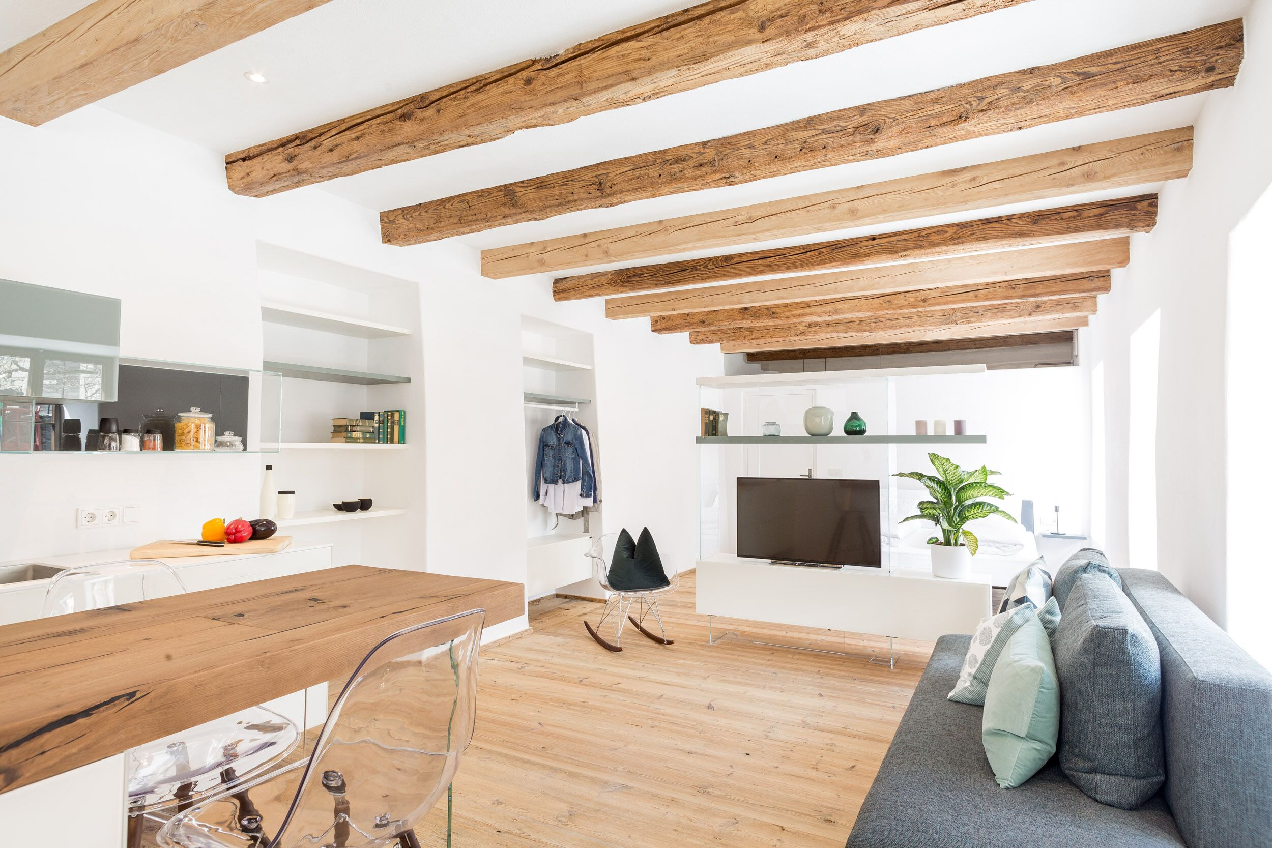 Apartment 2 - Stylish and bright open-space studio design apartment with antique wooden floors and ceiling beams.