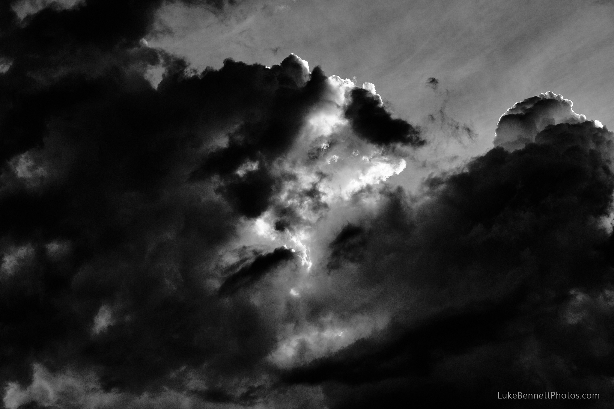 A Black and White Cloud Study