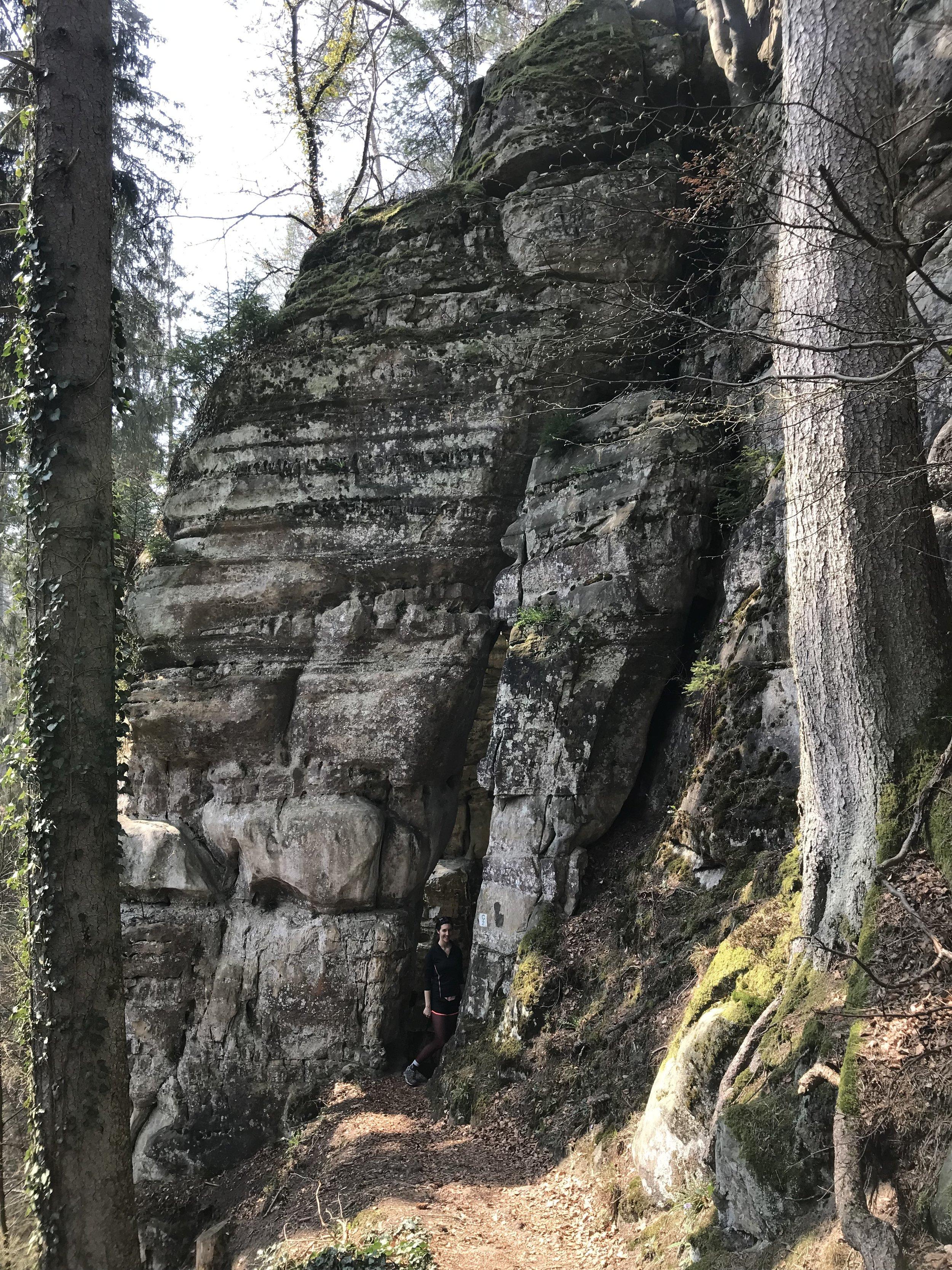 Infos pratiques - ★ Date : 7 avril★ Lieu : Müllerthal, Luxembourg★ Distance : 15 km★ Météo : Le printemps n'est pas encore arrivé au Luxembourg, mais on a bien transpiré dans les montées