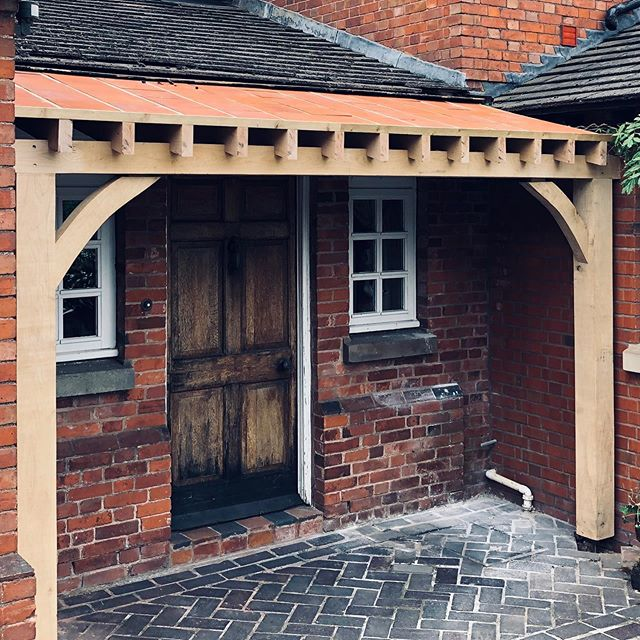 Lovely oak porch extension with a Tuscan feel to it, our clients were after and Italian and English mix so we have used quarry tiles to be seen from beneath with bare oak timbers and the roof finish will match the  existing new doors and windows to come all 100% bespoke designed with the client in mind #treehomes #joinery #kensington #cotswolds #london #architecture #bespoke #justforyou #carpentry #thinkoutsidethebox #sustainability #quality #design