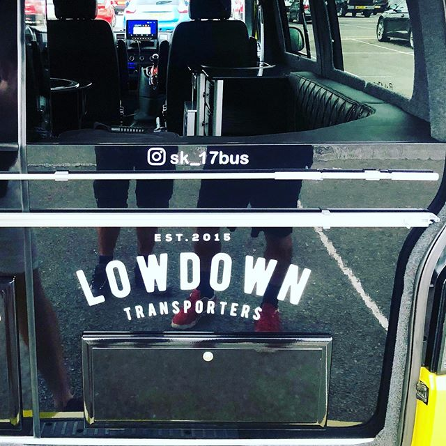 I think we met the ultimate VW transporter in our colour today and a lovely man who showed us around ! Amazing machine thanks @lowdown_transporters amazing van #whatlifebrings #lowdowntransporters #lowdowntransporter #lowdowntransporter #work #goodtimes