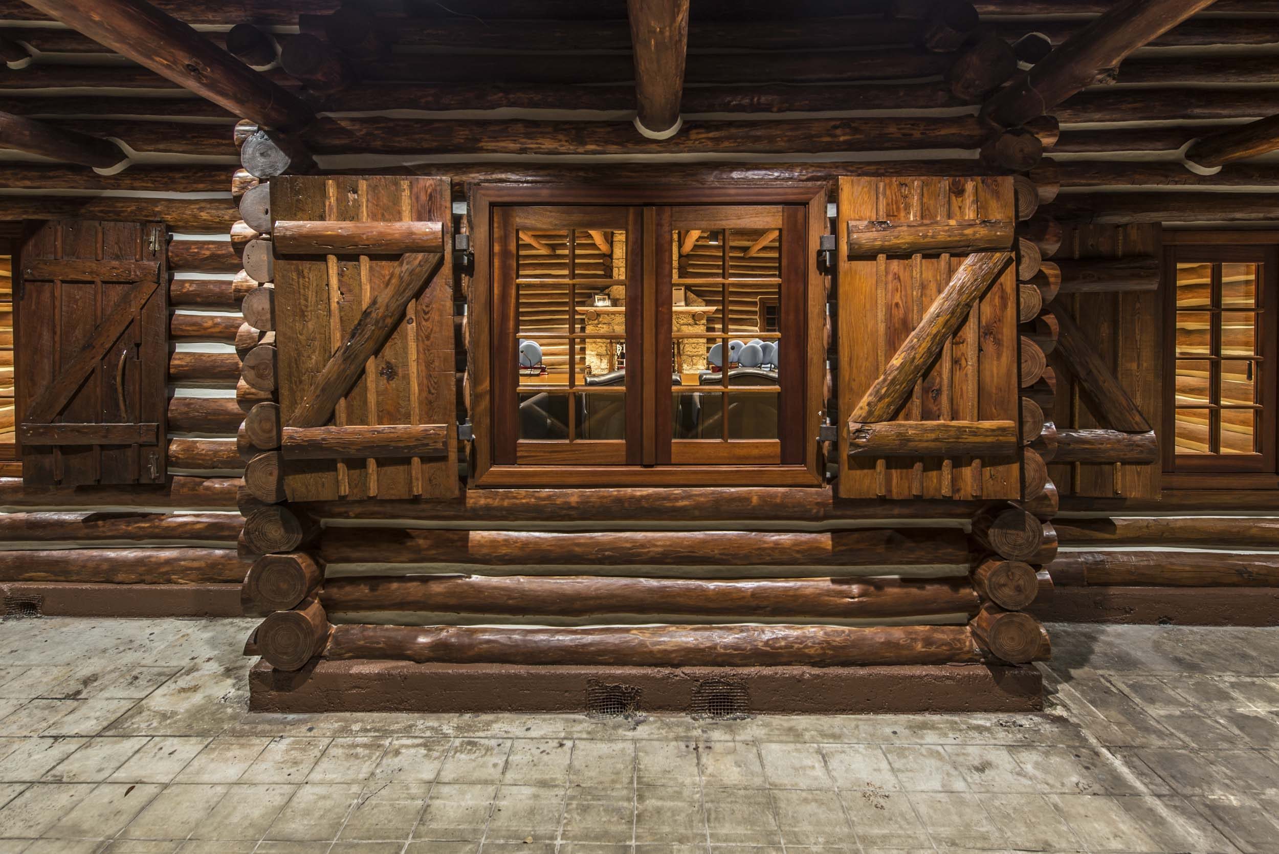 McKenzie Construction | Log Cabin | Richard Heisenbottle