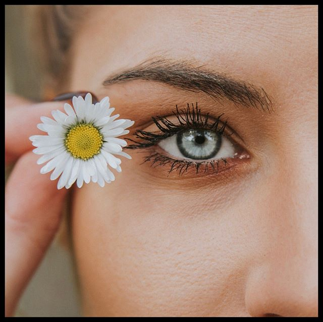 Did you know we can use your own blood to help heal your chronic dry eyes? Platelet rich plasma (PRP) eye drops are an effective way to help significantly reduce irritating symptoms of dry eyes. 👀 #healthyvisionmonth #regenmed