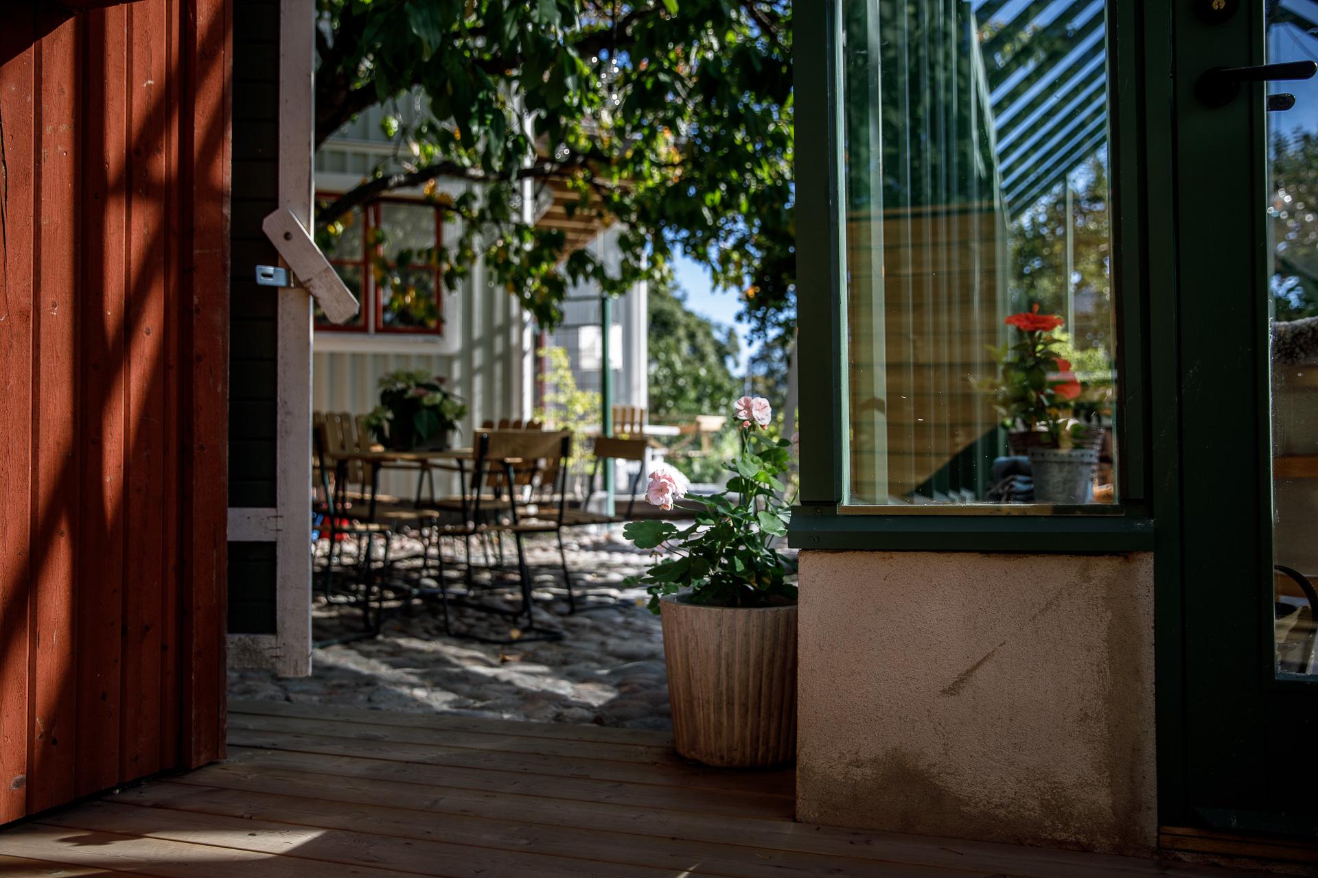 cafe (10 of 14).jpg