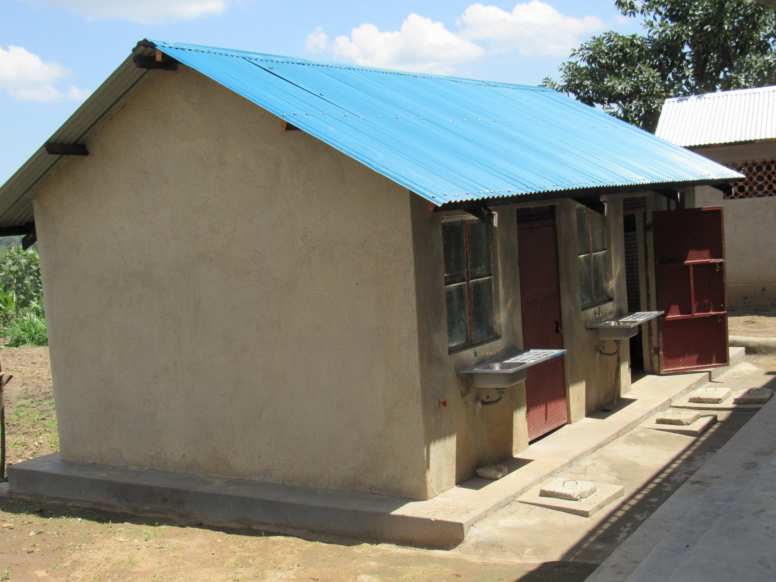 teachers housing kitchen.JPG