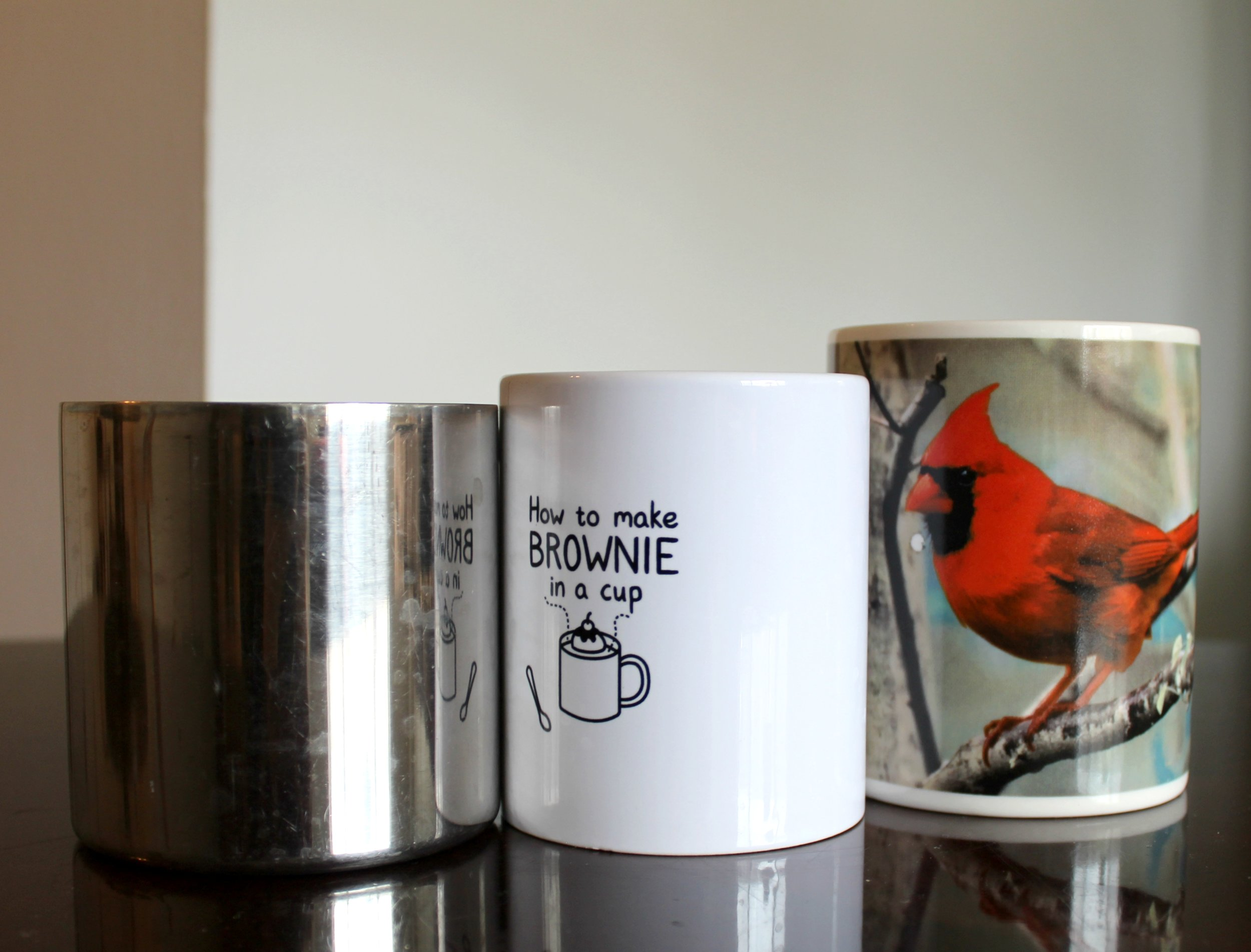These simple decorations can be made with any mugs you have around the house!