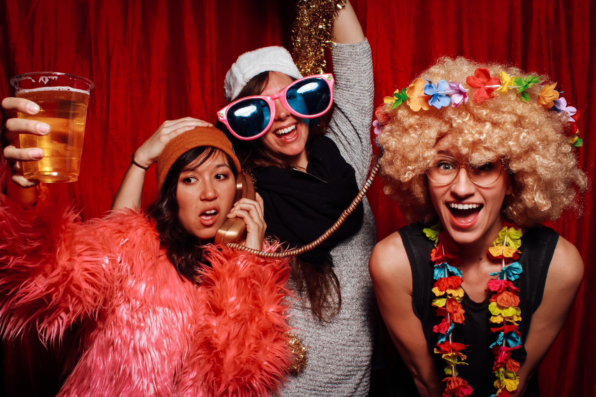 faroutphotobooths-memphis-photobooth-rental-launch-party-loflin-yard (12 of 16).jpg