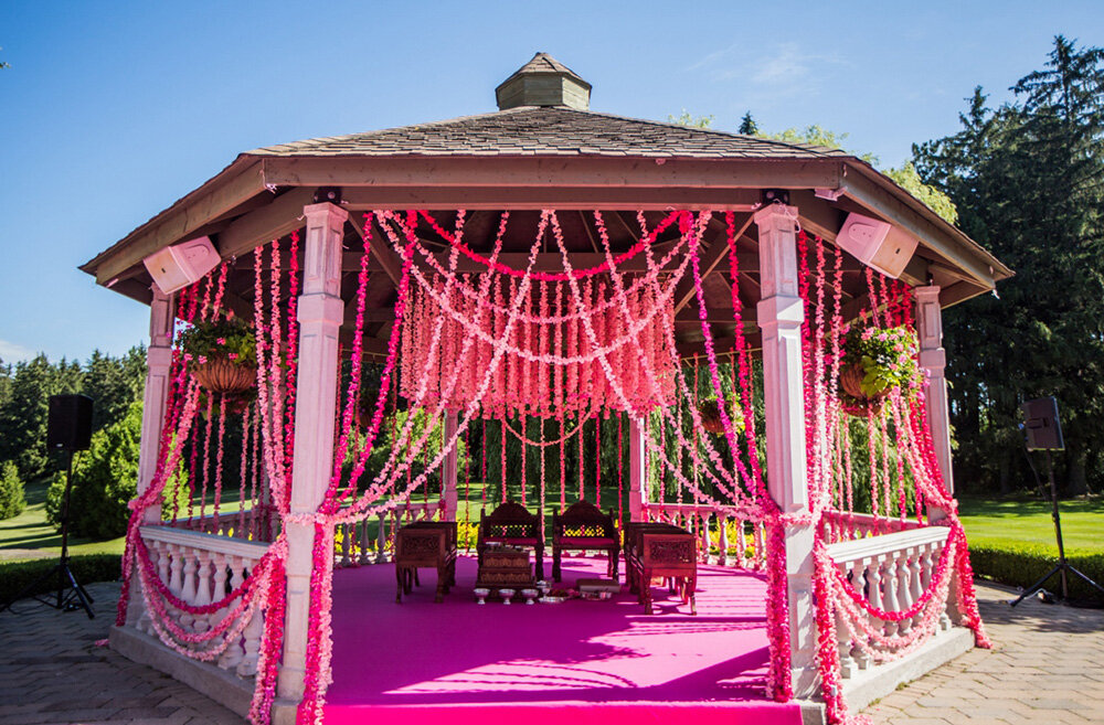 Paras-Events-Outdoor-Mandap-Floral-Strands-Royal-Ambassador-Pink-Ombre-1.jpg