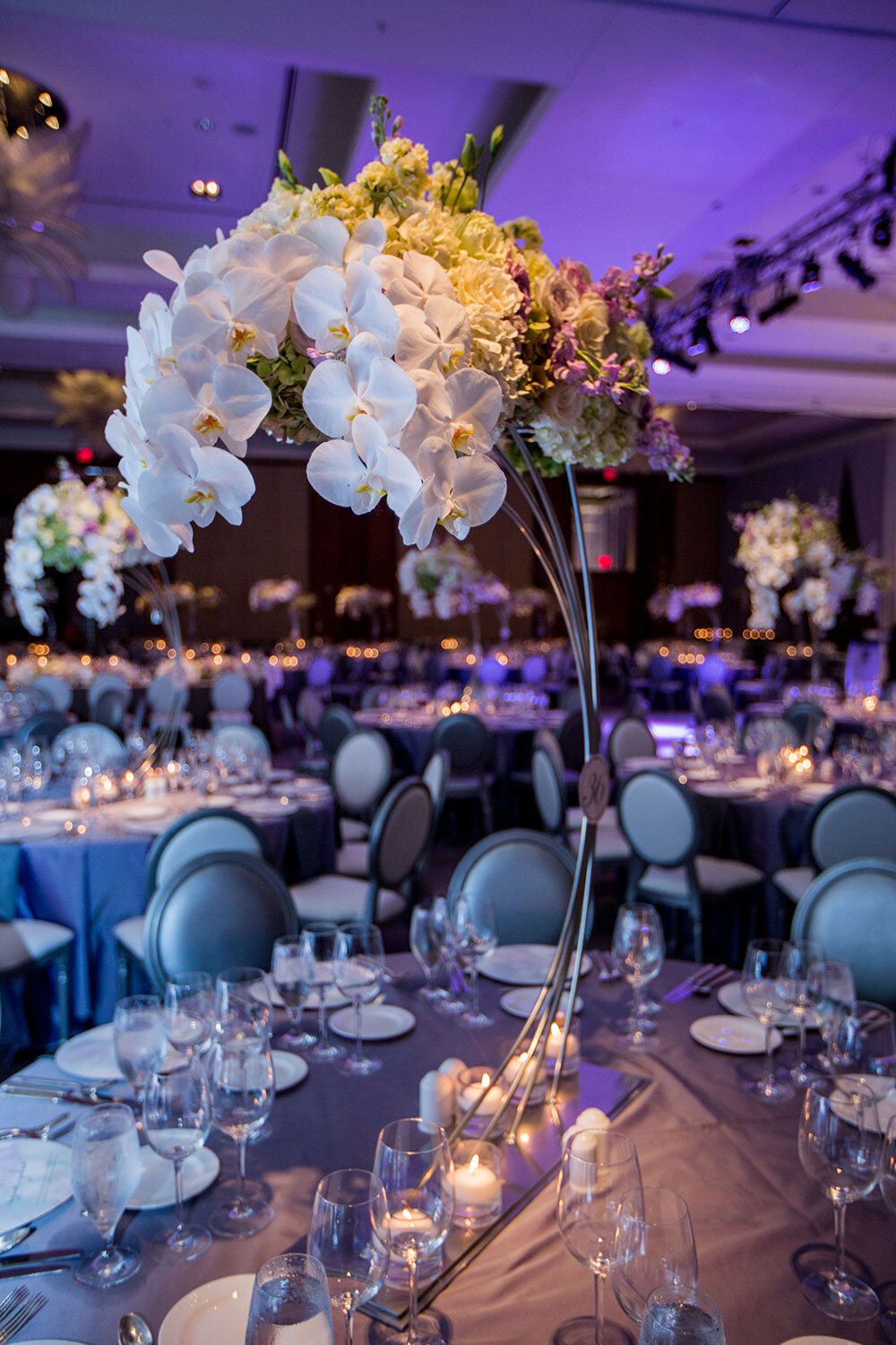 Paras-Events-Modern-Blush-Crystal-Chandeliers-Reception-Backdrop-Centrepieces-Ritz-Carlton-Toronto-2.jpg