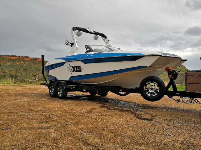 22' Boat with Power wedge, Surf Gate and Monsoon 450 engine