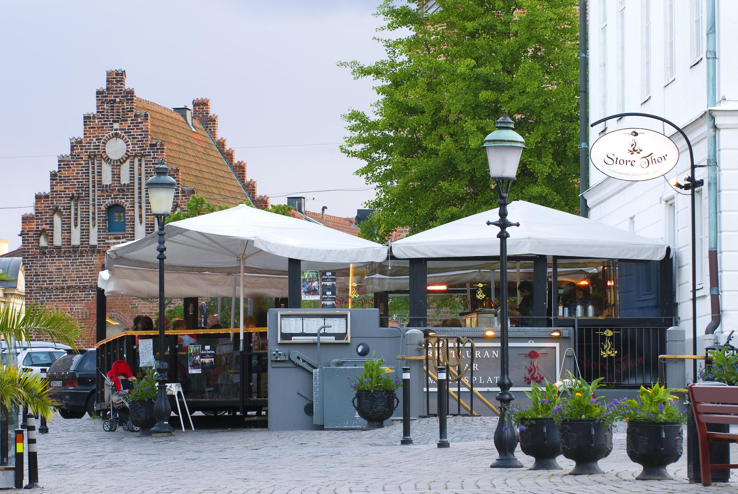 ERBJUDANDE - Våra gäster erbjuds 15% rabatt på restaurang Store Thor i centrala Ystad. (Gäller endast vid förbokning) Kontakta Store Thor på 0411-185 10.