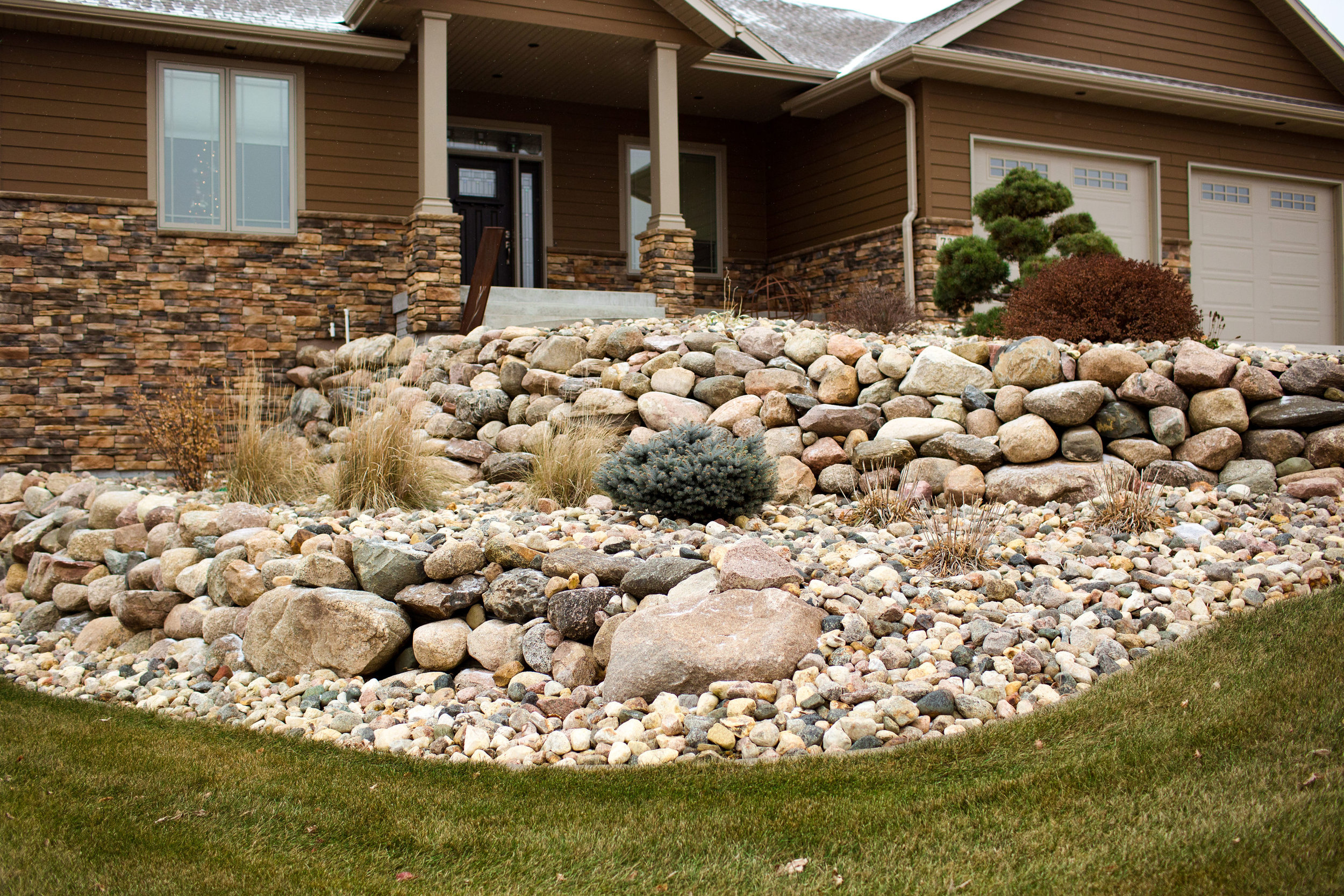 Boulder Retaining Wall Rock Valley 3.jpg