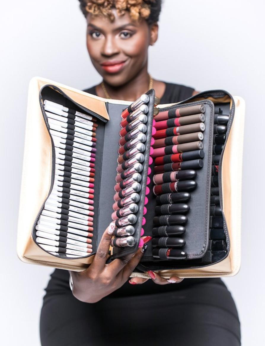The-Makeup-Show-Elle-Harikleia5.png