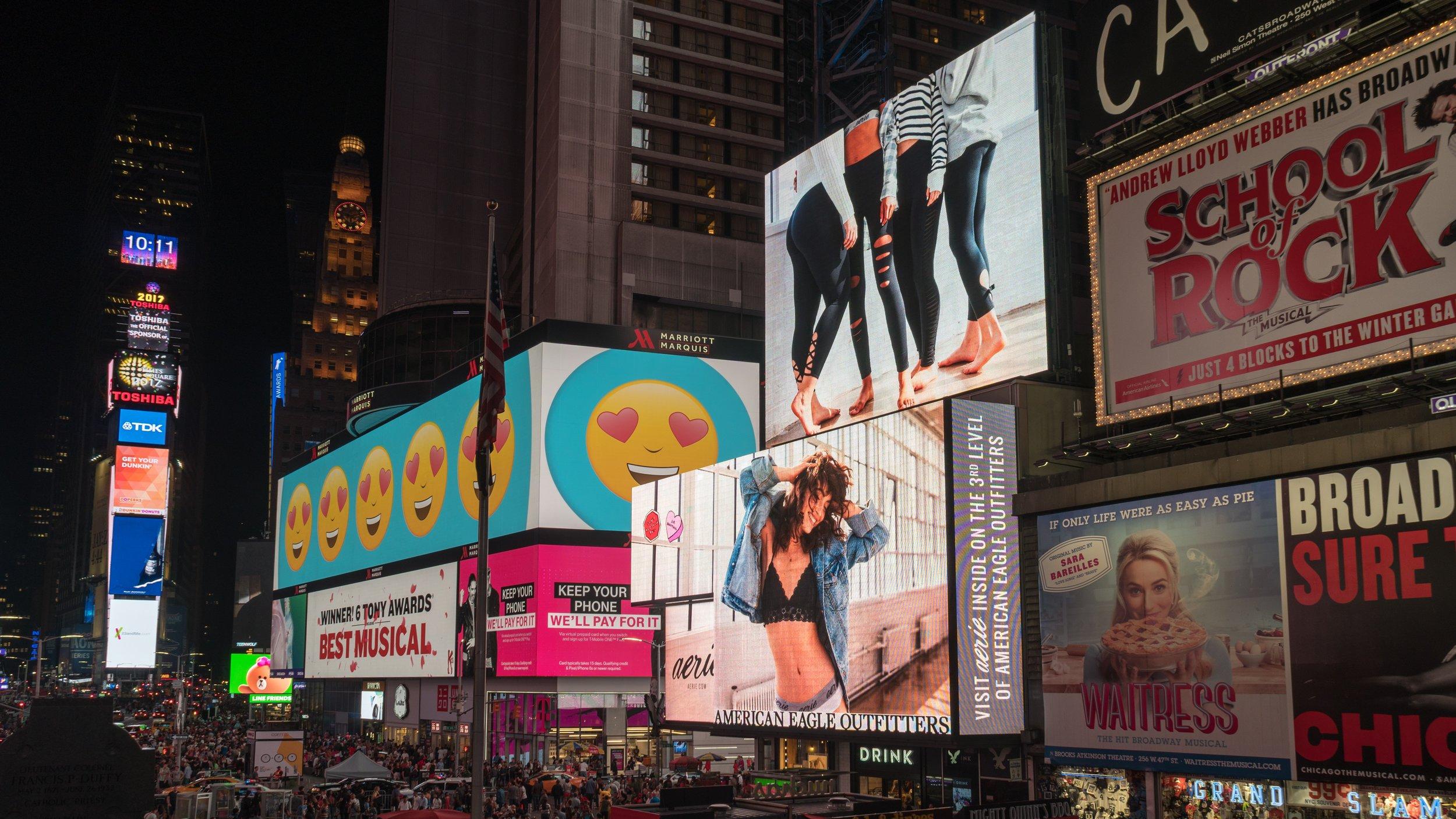 advertisements-architecture-billboards-1058276.jpg