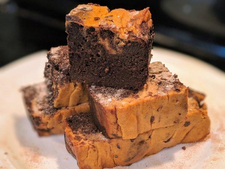 ChipMonk Keto Low Carb Gluten Free Pumpkin Spice Cheesecake Brownie with Allulose (1).jpg