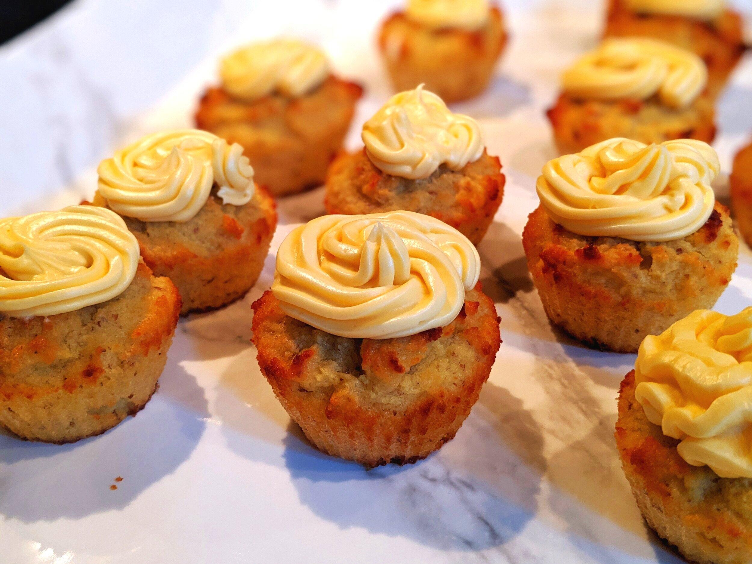 ChipMonk+Baking+Keto+Low+Carb+Gluten+Free+Vanilla+Cupcakes+%2815%29.jpg
