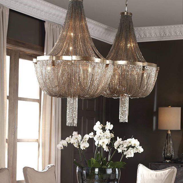 um chandelier.jpg
