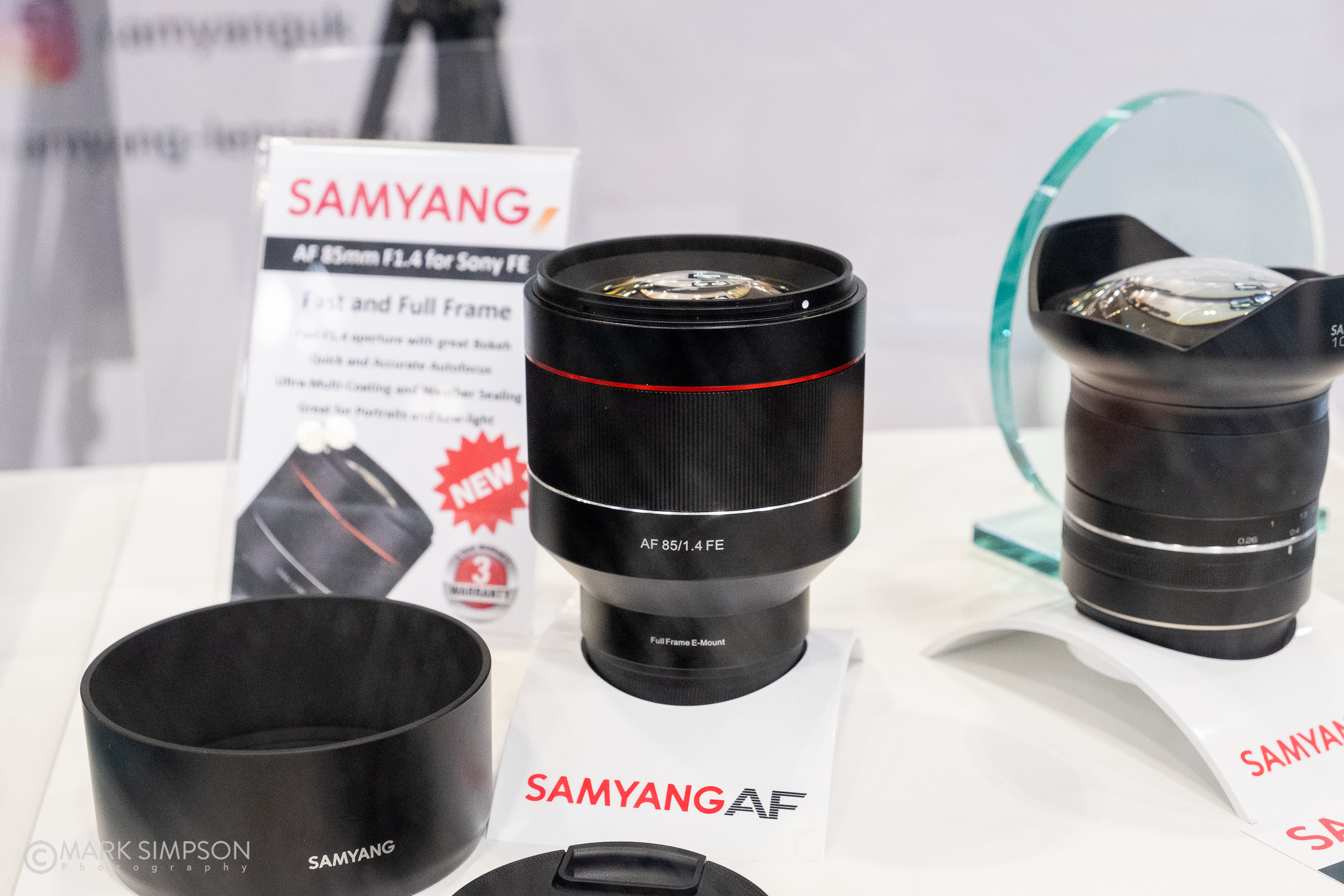 New Samyang lenses, the AF 85mm f/1.4 for Sony FE and the XP 10mm f/3.5 for Canon EOS. (FujiFilm X-T2, Fujinon XF16-55mmF2.8 R LM WR)