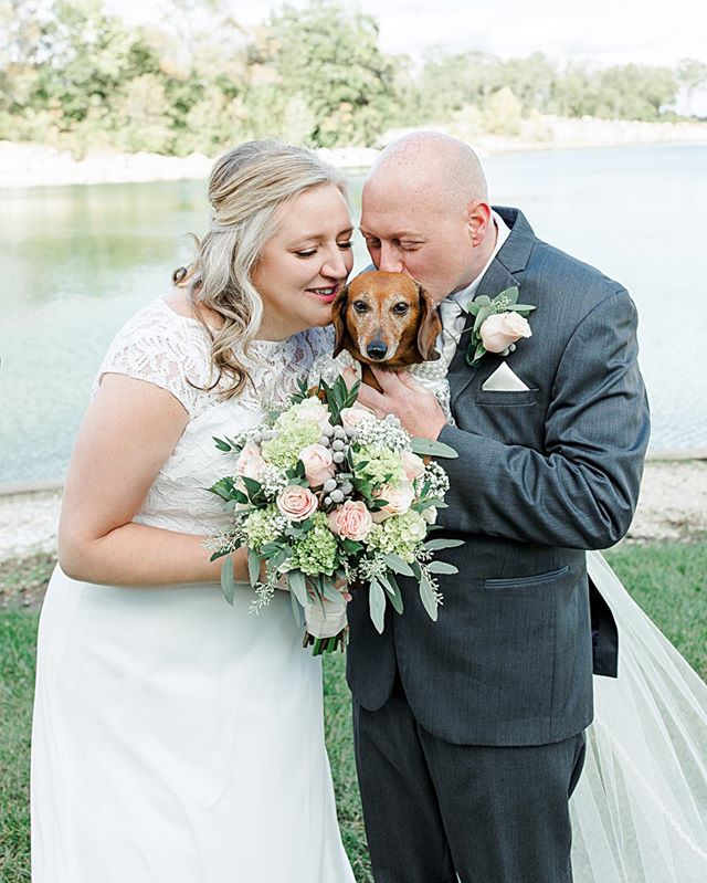 Congratulations to the new Mr. & Mrs. Sabo. Yesterday held 2 things we love the most - fall weather and DOGS! What more could you ask for?! Photography: @danielleambryphotography