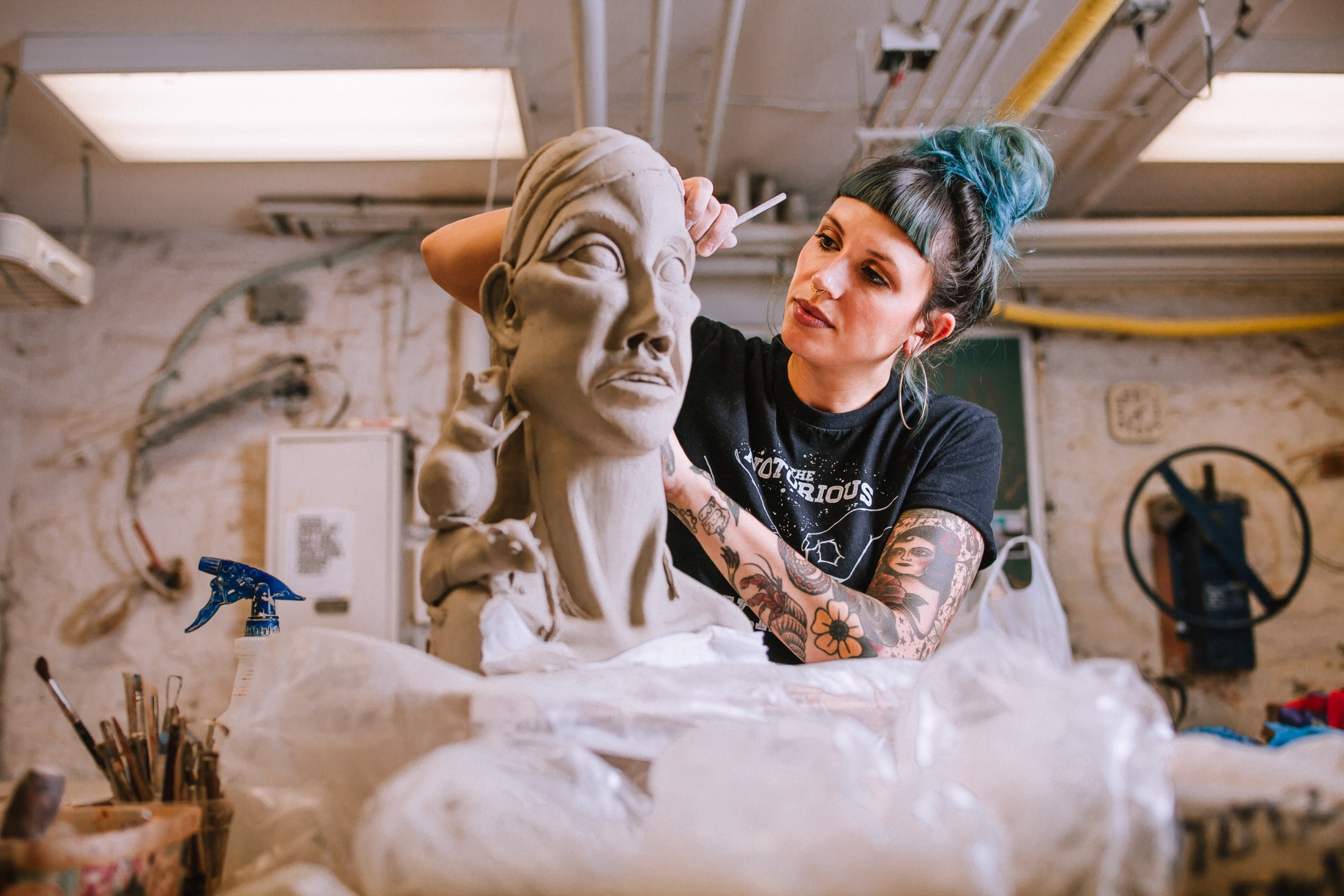 About… - Kara Zuzu is a Pittsburgh based ceramic sculpture artist.  She creates one of a kind sculptures that are inspired by animals, women, and narratives from her lived experiences.