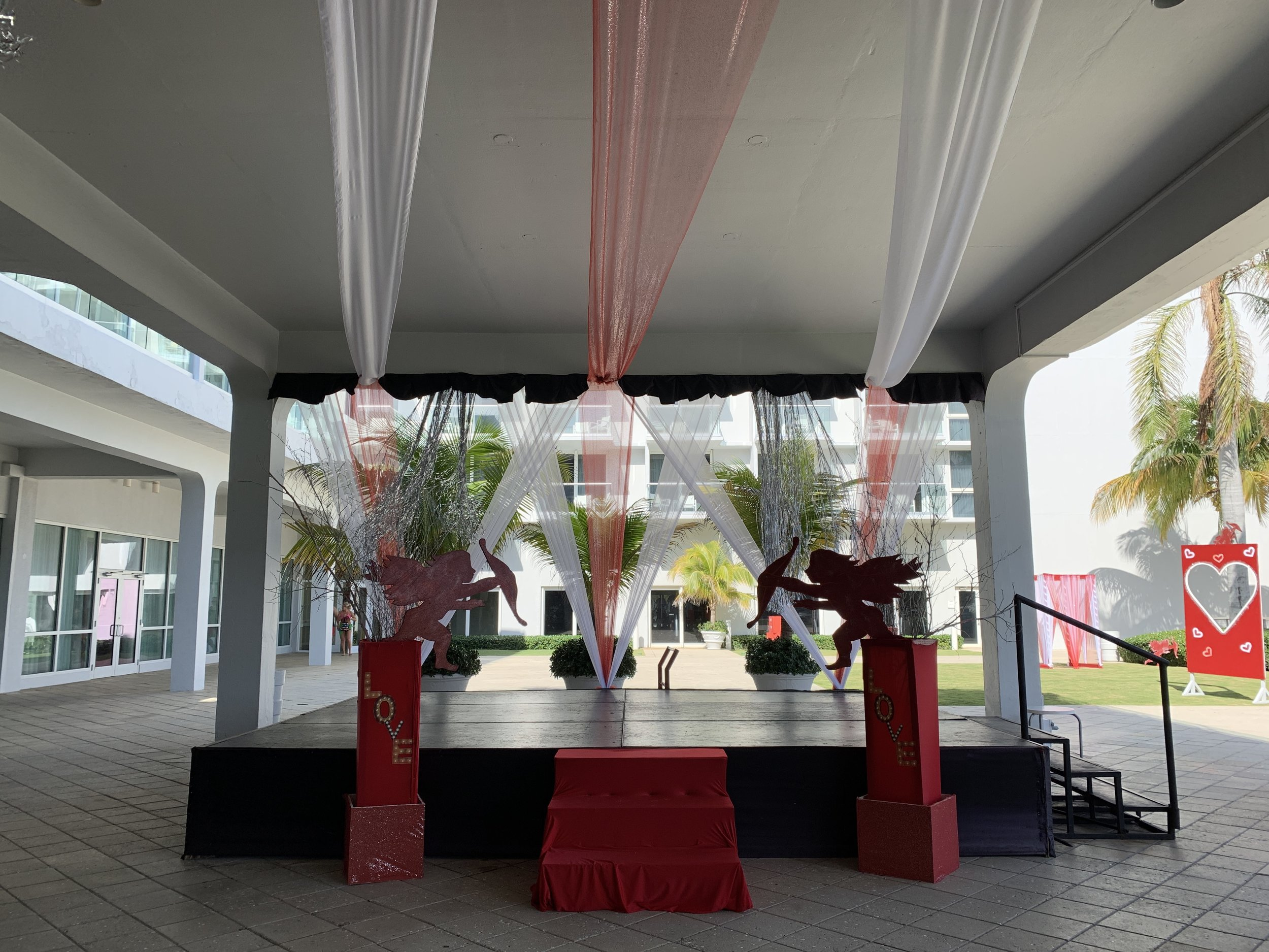 Main Stage all Valentines Day'd out - nightly performances