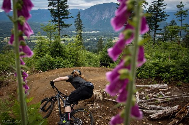 "Known by some locals as the ""Town Berm"", high above North Bend. This fast right hander provides jaw dropping views of Mt. Si as you let the wheels roll.⁠ .⁠ .⁠ .⁠ #whatsyourcompass #rideyourbike"