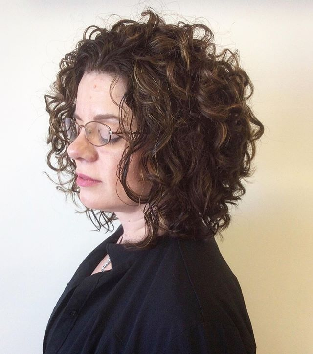 Are you curls unmanageable and weighing you down? John and Carly are both Ouidad trained! This is a technique that helps curls lay better and become more manageable. . . Stylist: John To book 📞 417.350.1535 . . . #417land #springfieldmo #wella #sebastianprofessional #twisted #ouidad #ouidadcut #ouidadcurls #ouidadcertified #curls #curlyhair #curly