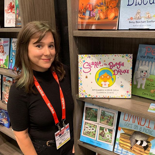 I'm still buzzin from the excitement of last week's BookExpo in NYC with @realamyedwards and Starla ! We poured our hearts into making this book come to life, and having it represented in such a massive way in an industry and city I find so inspiring made this experience even more surreal. When I say this project changed my life, i mean it. Never have i put more of myself into something, never have I felt more support from my community and with that, I've received an inner strength that will continue to grow. Thank you to all you wild New Yorkers for making this a memorable trip, special shout out to my girls @oohjacquelina and @nedamob !! And if you haven't checked out Starla yet, wtf are you doing!!!!