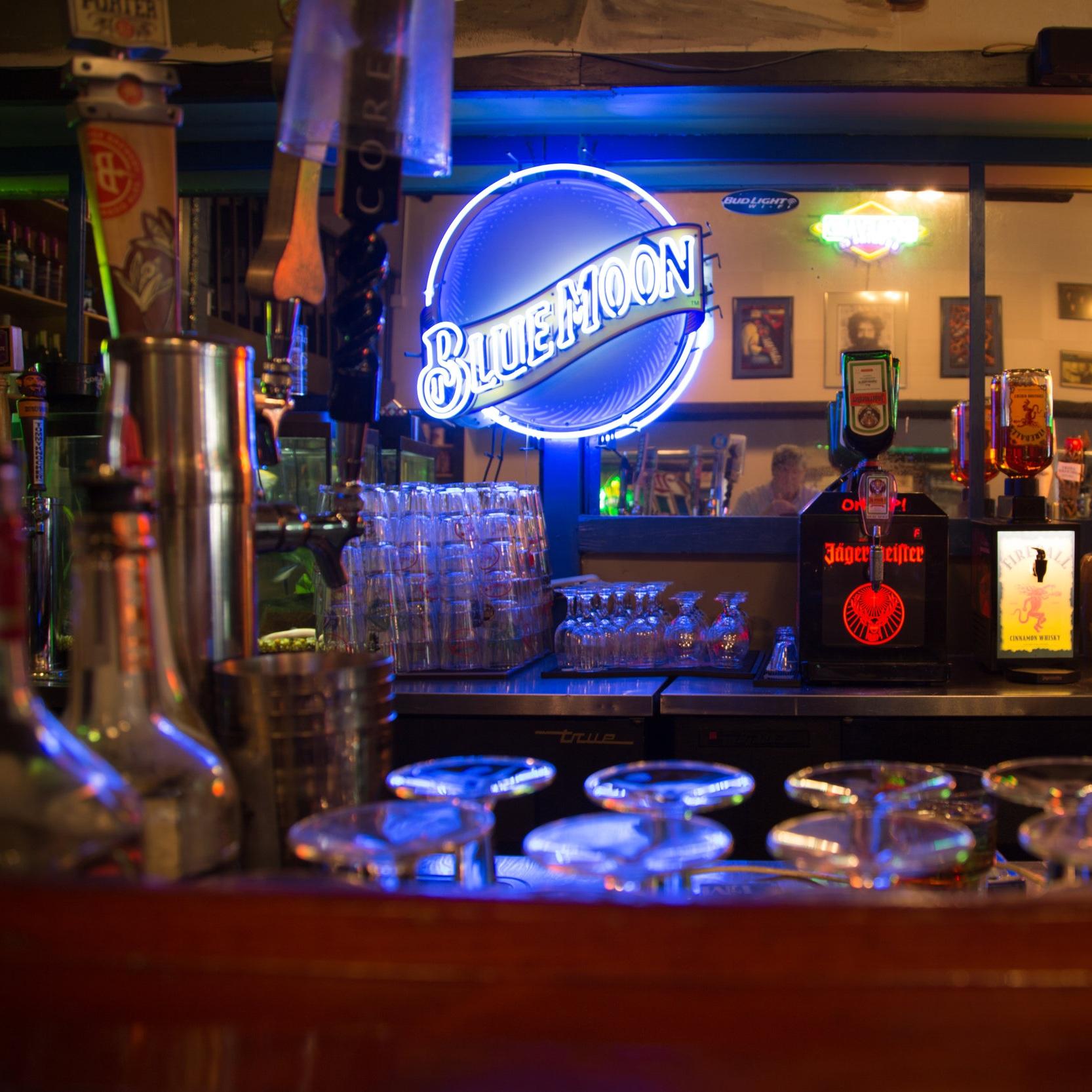 blue_moon_local_craft_beer_drinks_north_little_rock.jpg