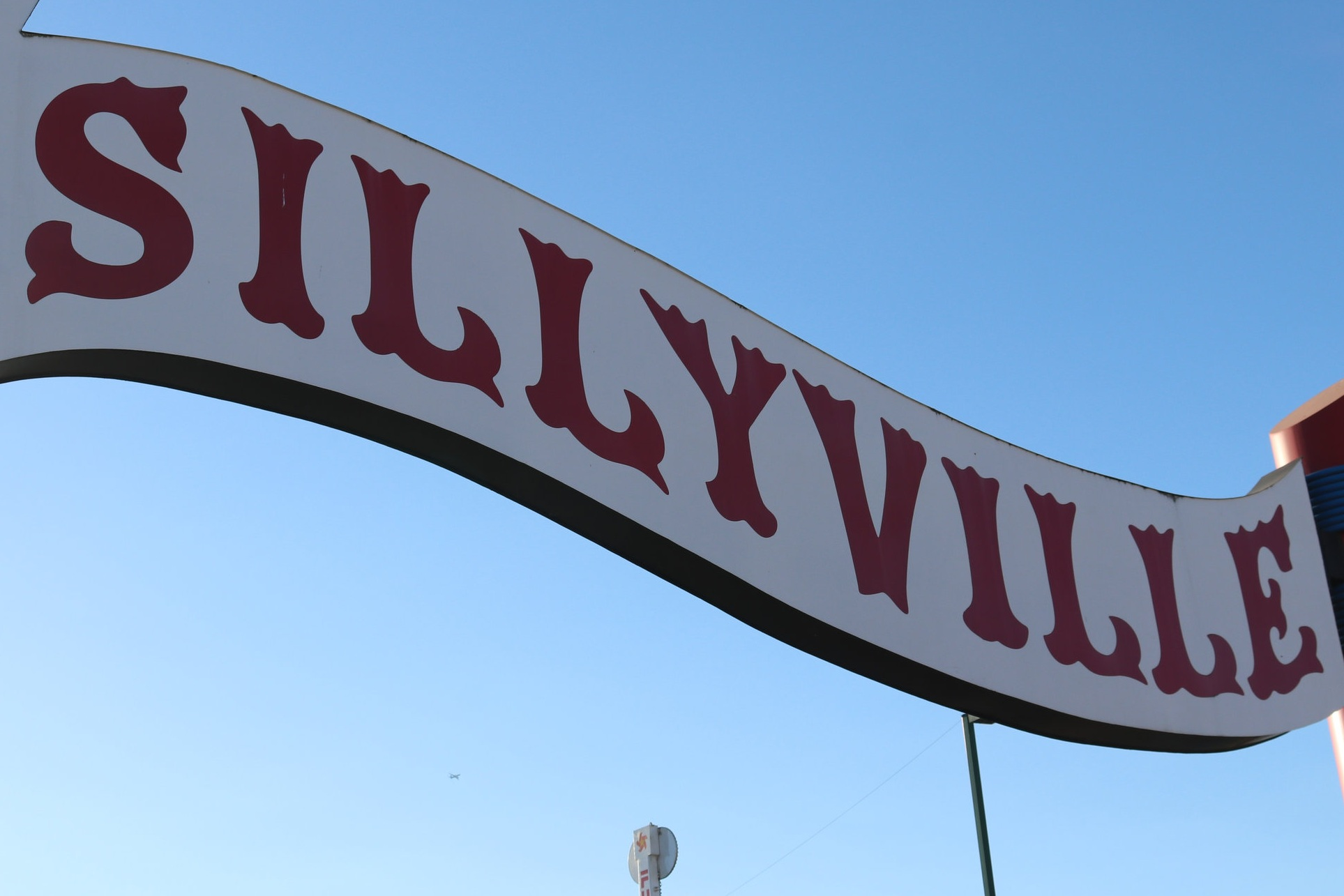Welcome to Sillyville! Home of the English language. Just for starters, English does a lot of borrowing from other languages and alphabets (e.g., French, Dutch, Latin, Spanish, Japanese and the Runic alphabet). It has also changed how words are spelled and pronounced over the years multiple times, has many dialects, and even accepts different spellings of words. (Color or colour?)