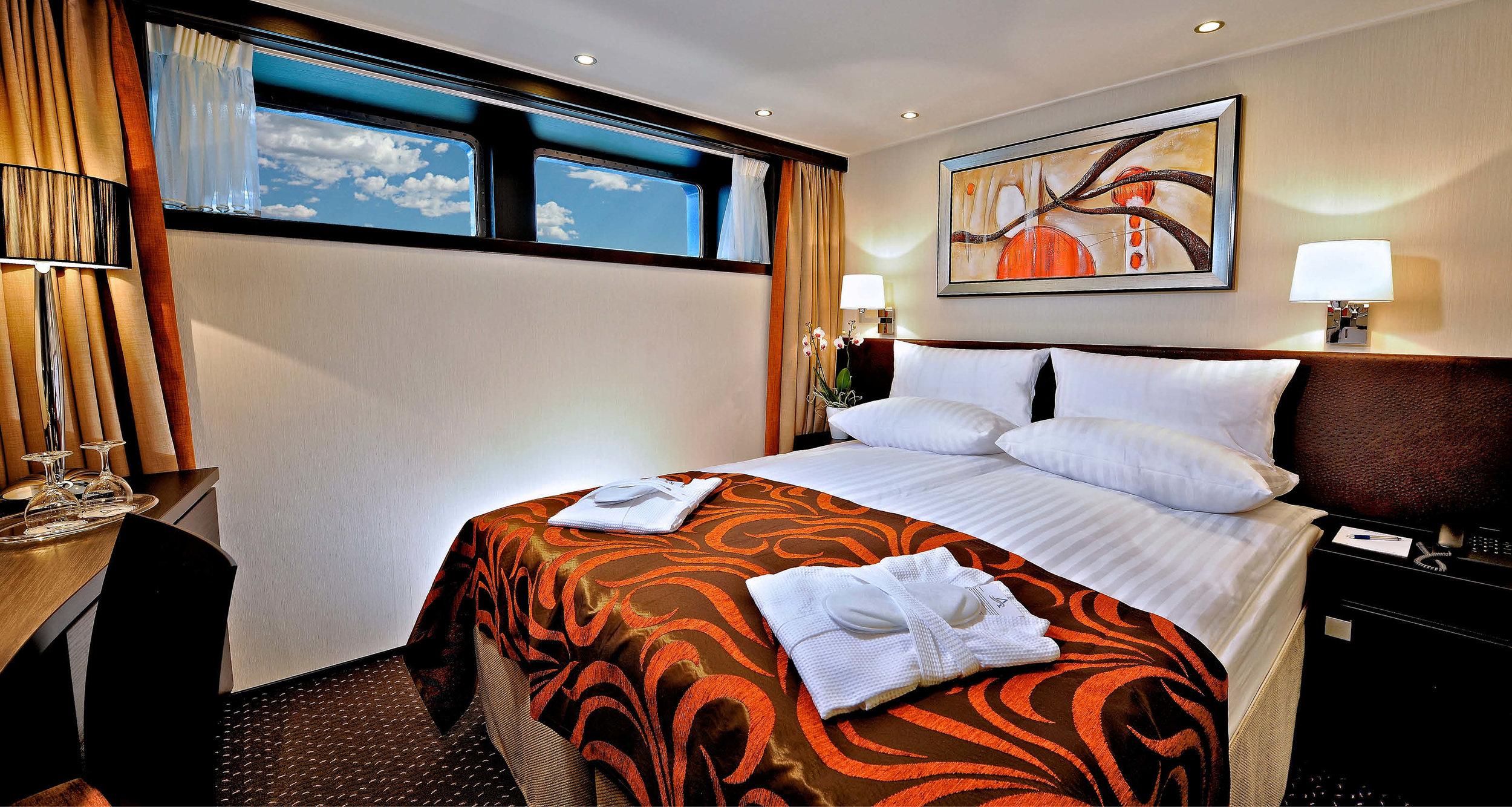 Dream-Maker-Travel-Ship-Avalon-Tranquility-II-Room.jpg