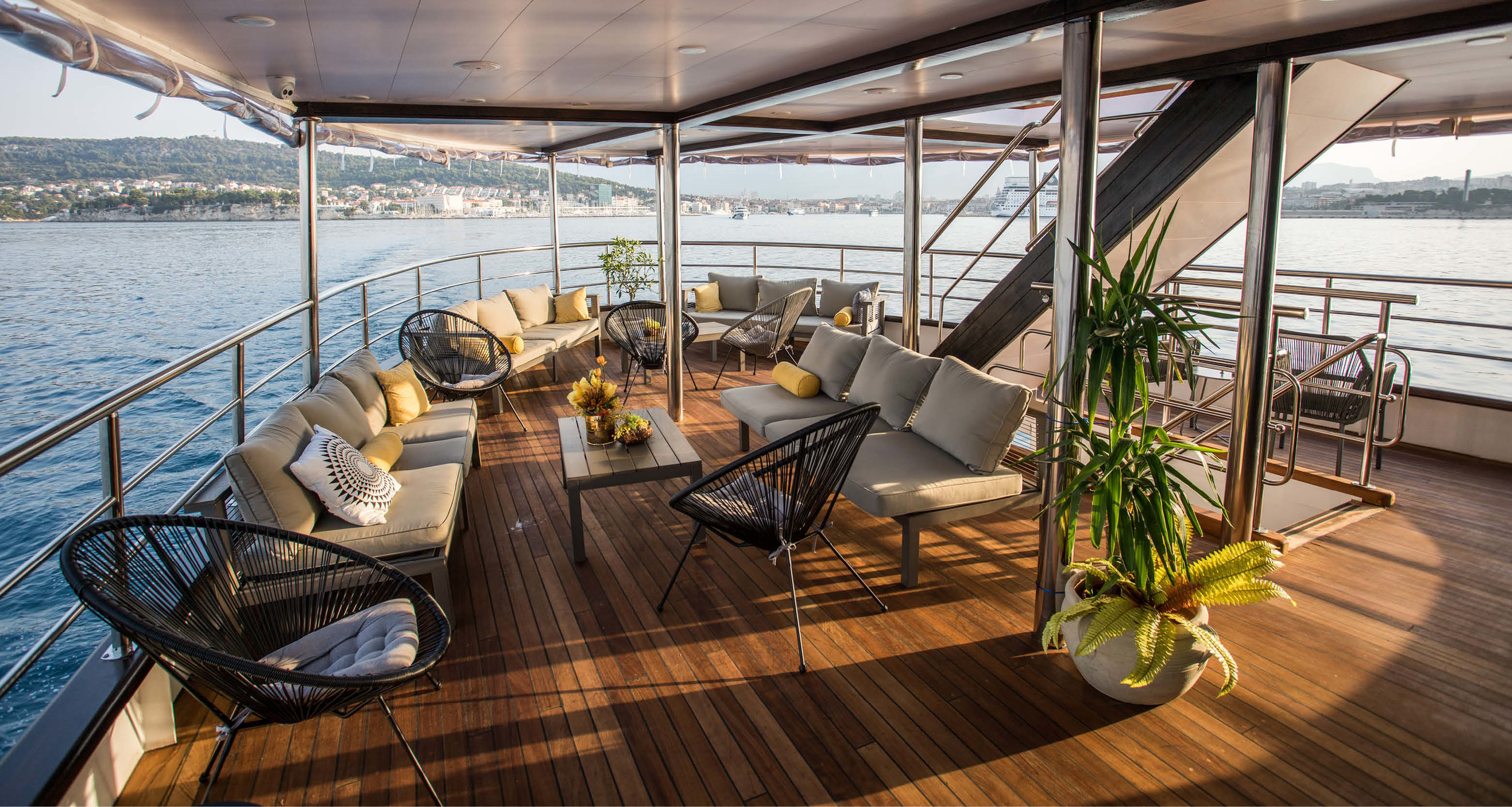 Dream-Maker-Travel-Ship-MS-Arca-Deck.jpg