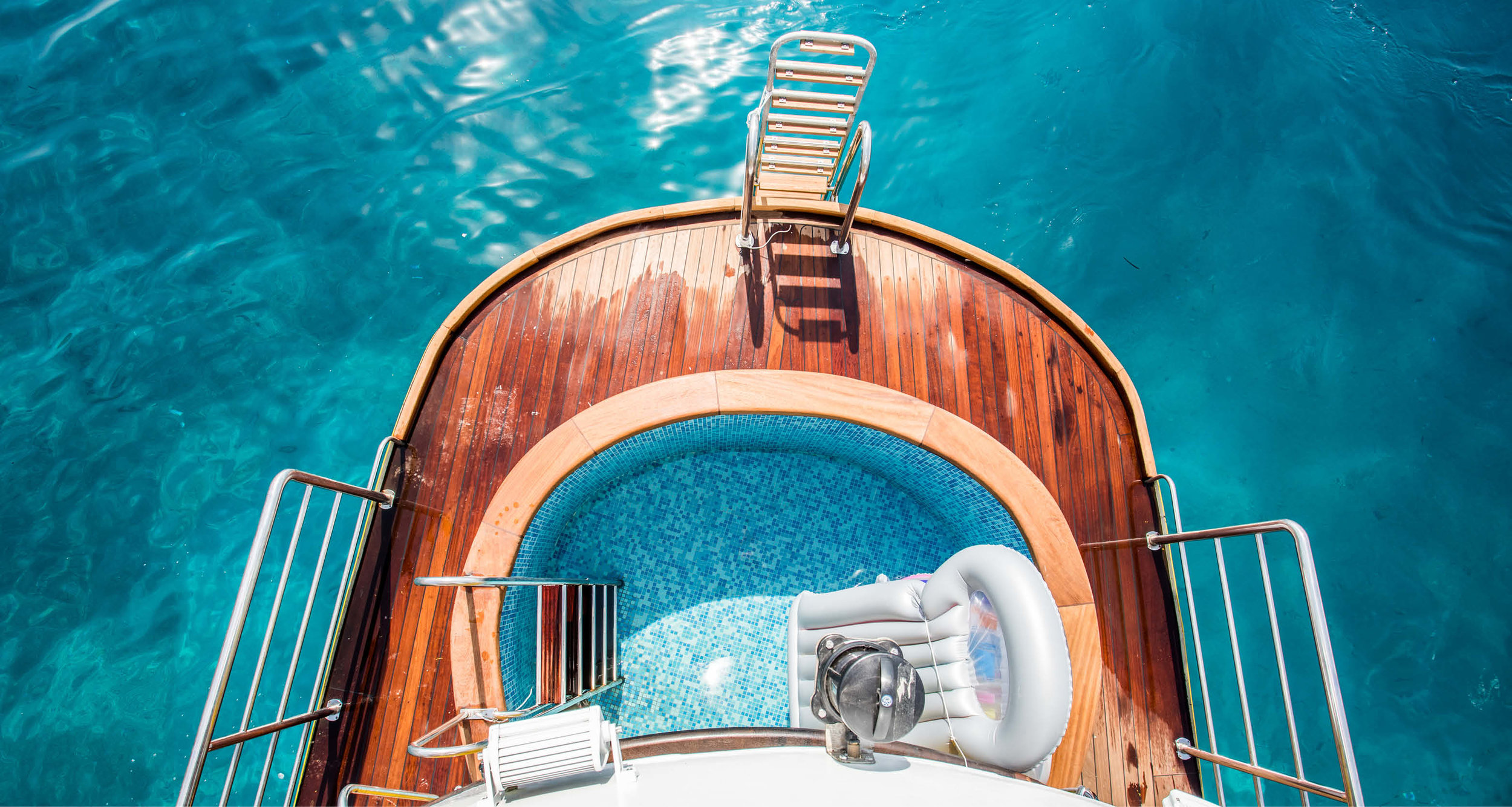 Dream-Maker-Travel-Ship-MS-Arca-Swimming-Deck.jpg