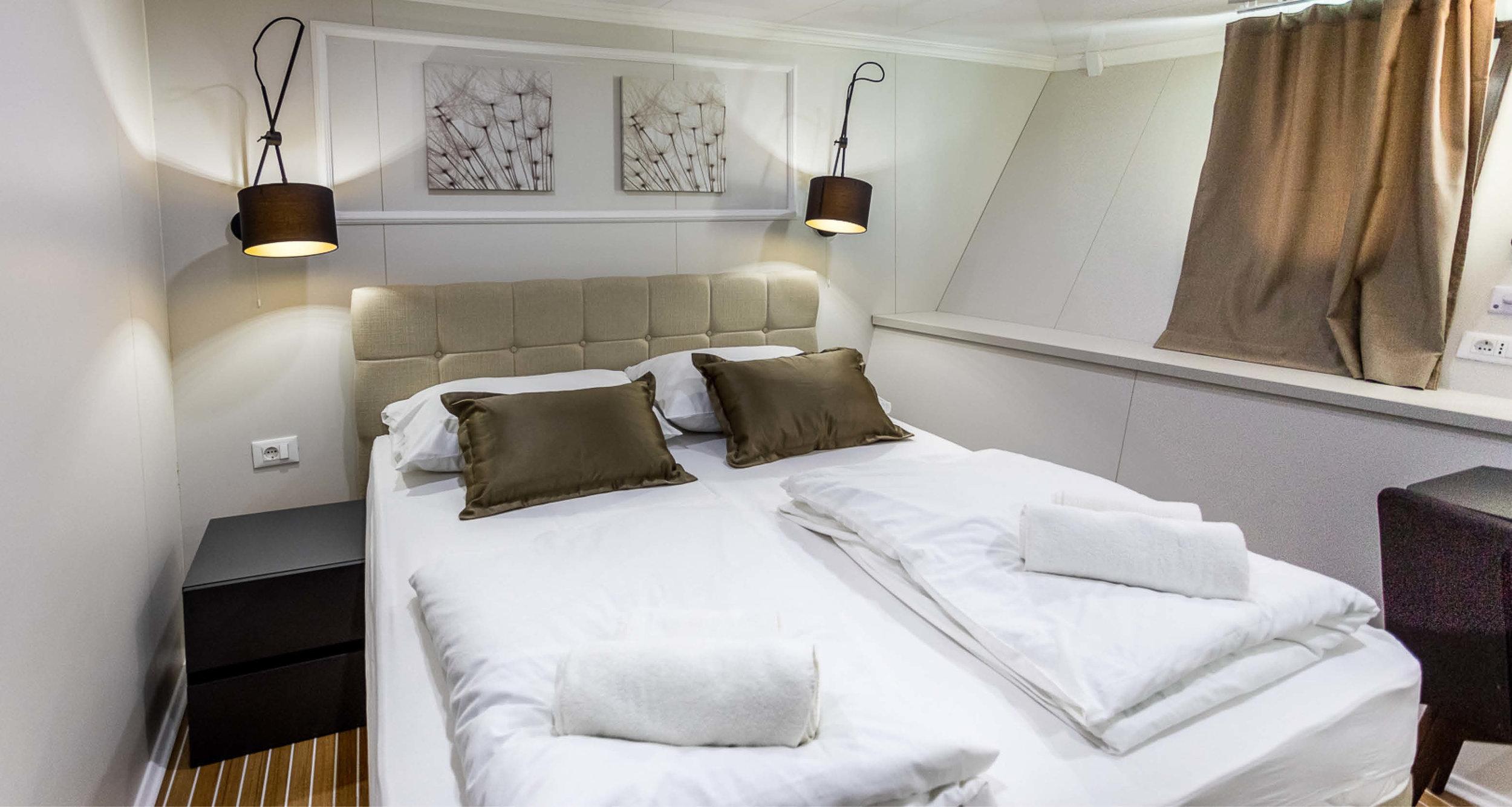 Dream-Maker-Travel-Ship-MS-Arca-Cabin.jpg